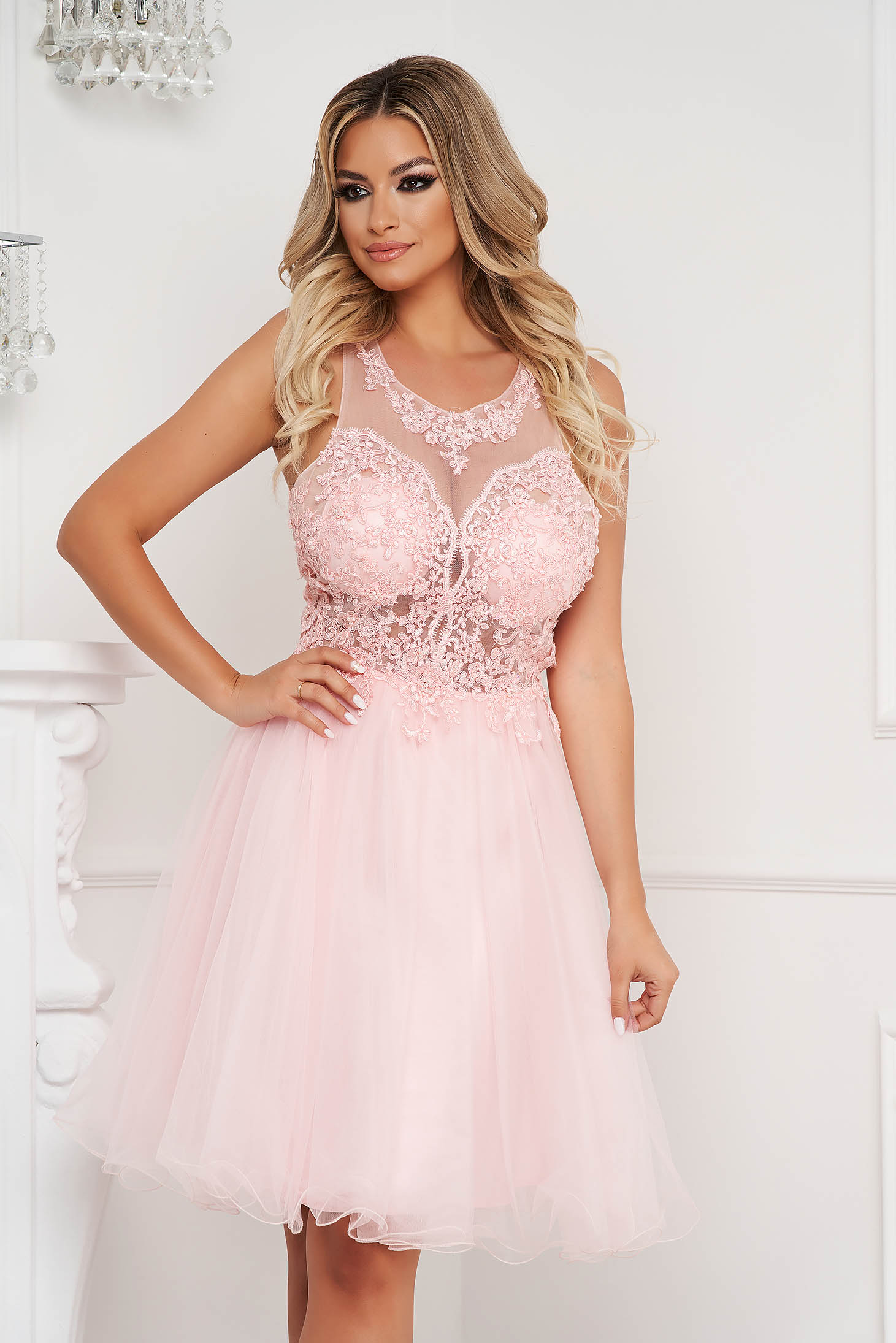 Lightpink dress short cut occasional cloche with lace details with pearls from tulle