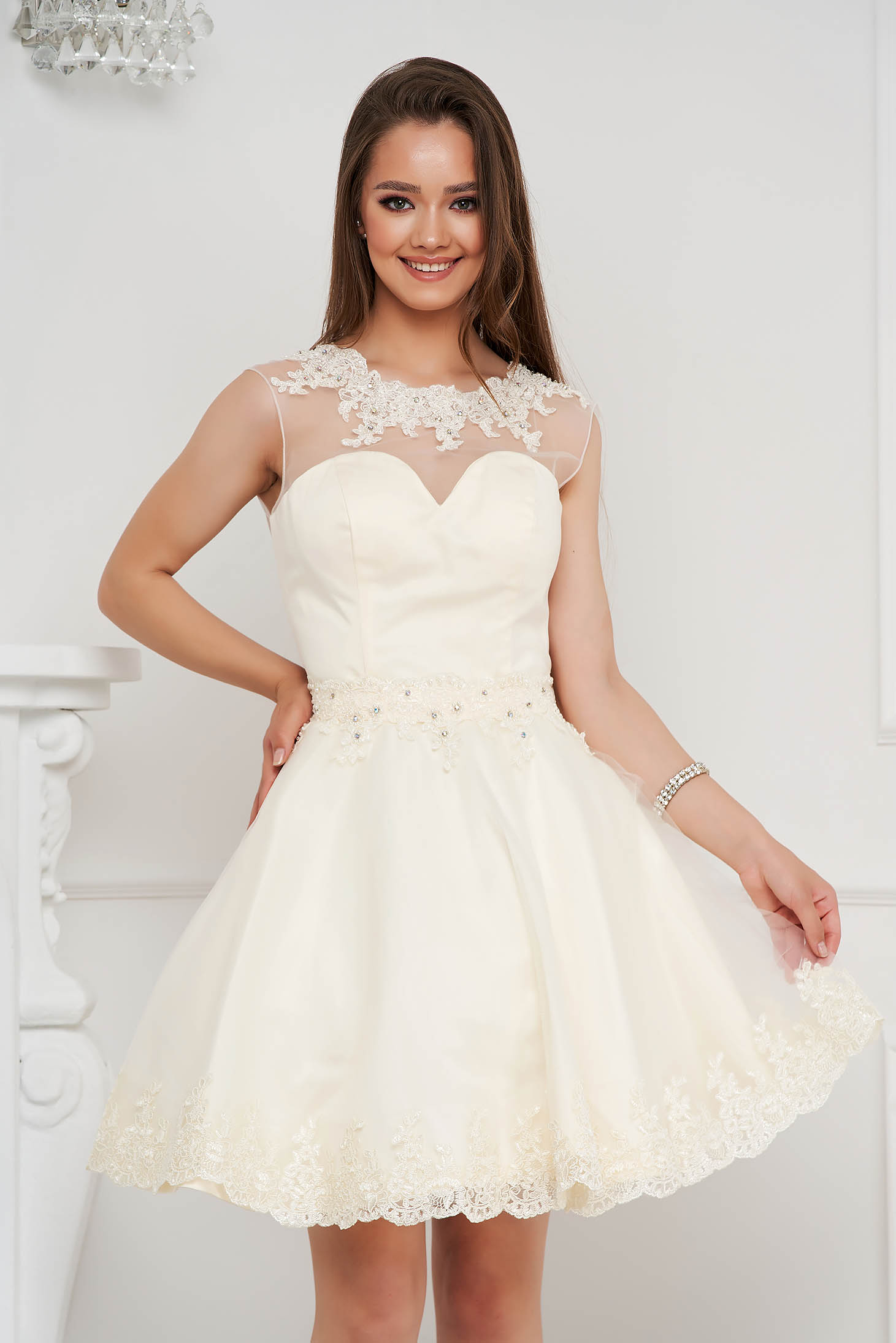 Ivory dress short cut cloche from tulle with pearls with embellished accessories
