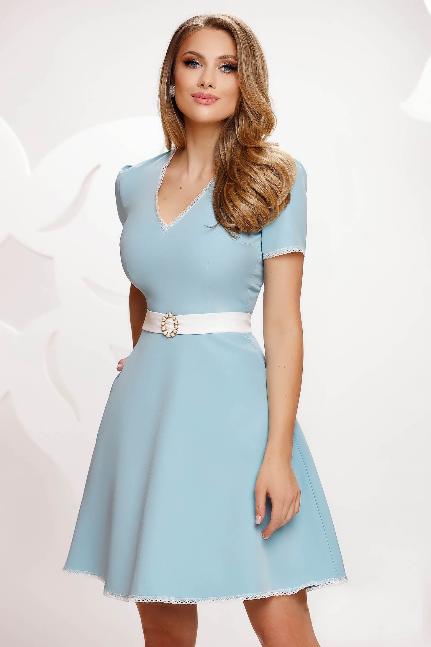 Lightblue dress short cut cloche slightly elastic fabric with lace details with pockets
