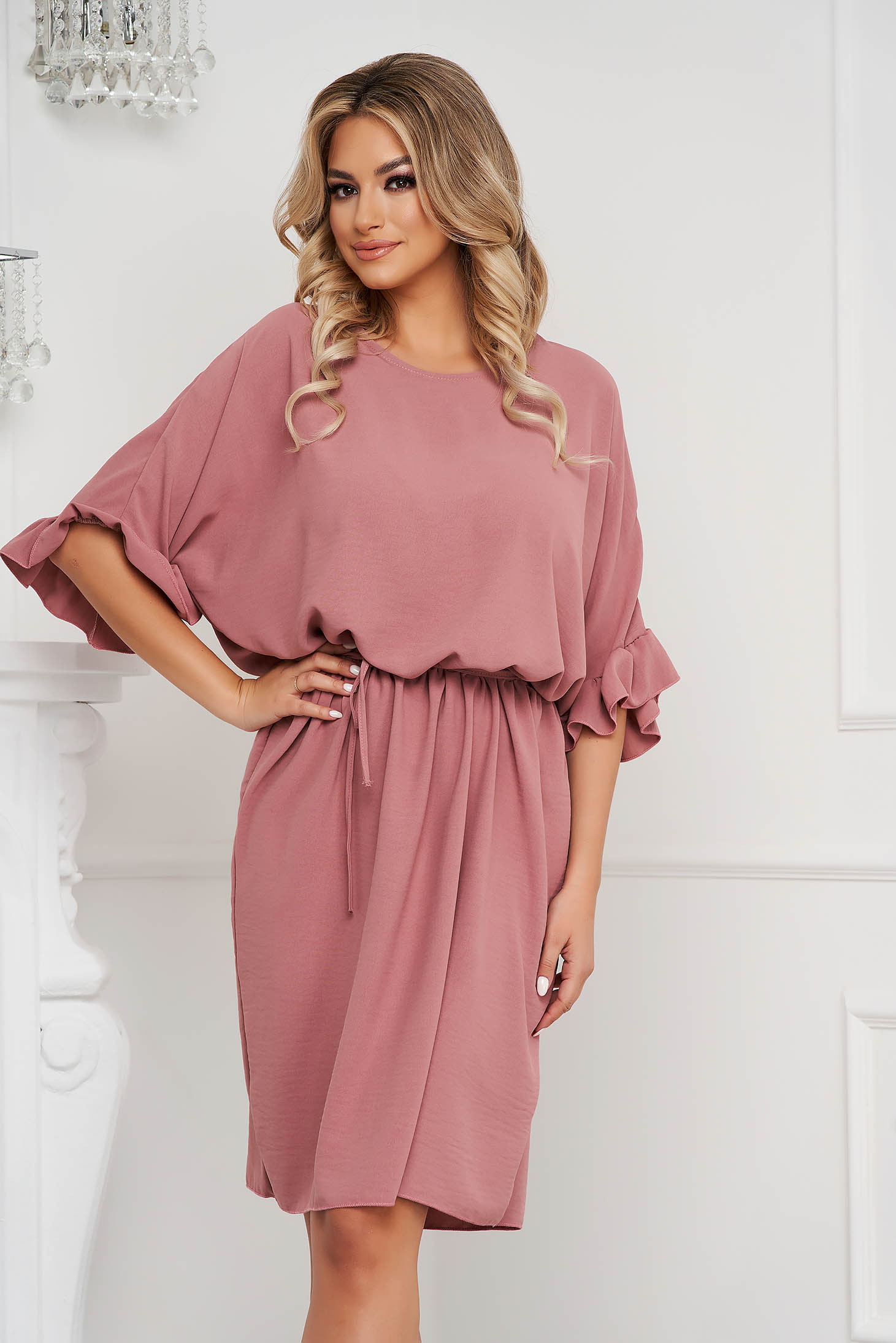Lightpink dress short cut airy fabric cloche with elastic waist with ruffled sleeves