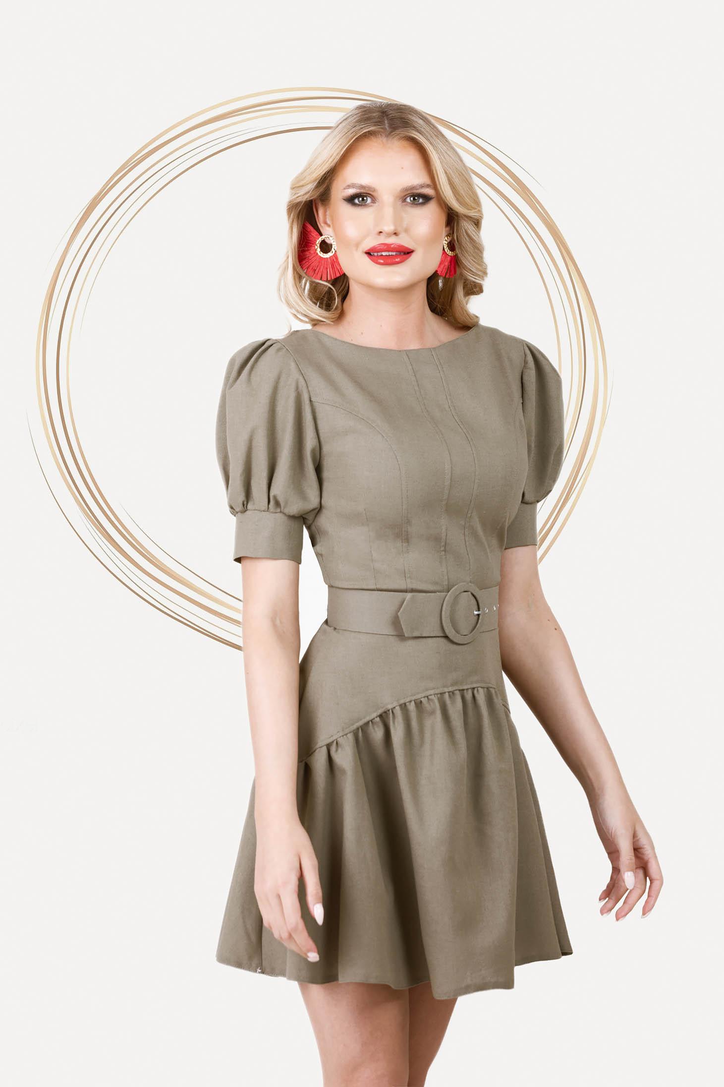 Khaki zöld aszimetrikus rövid harang ruha fodrok a ruha alján