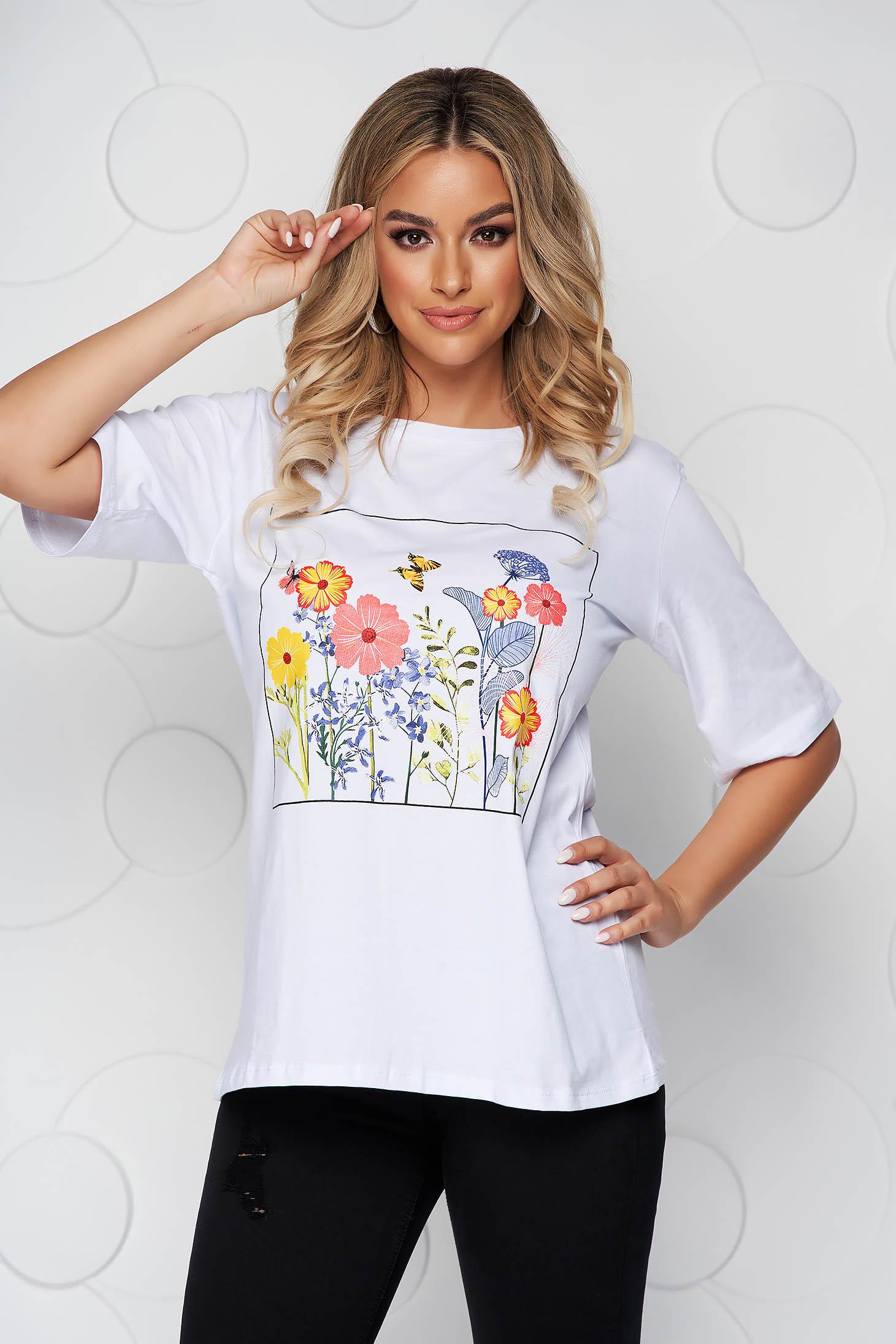 Tricou SunShine alb din bumbac cu croi larg cu decolteu rotunjit si imprimeu floral