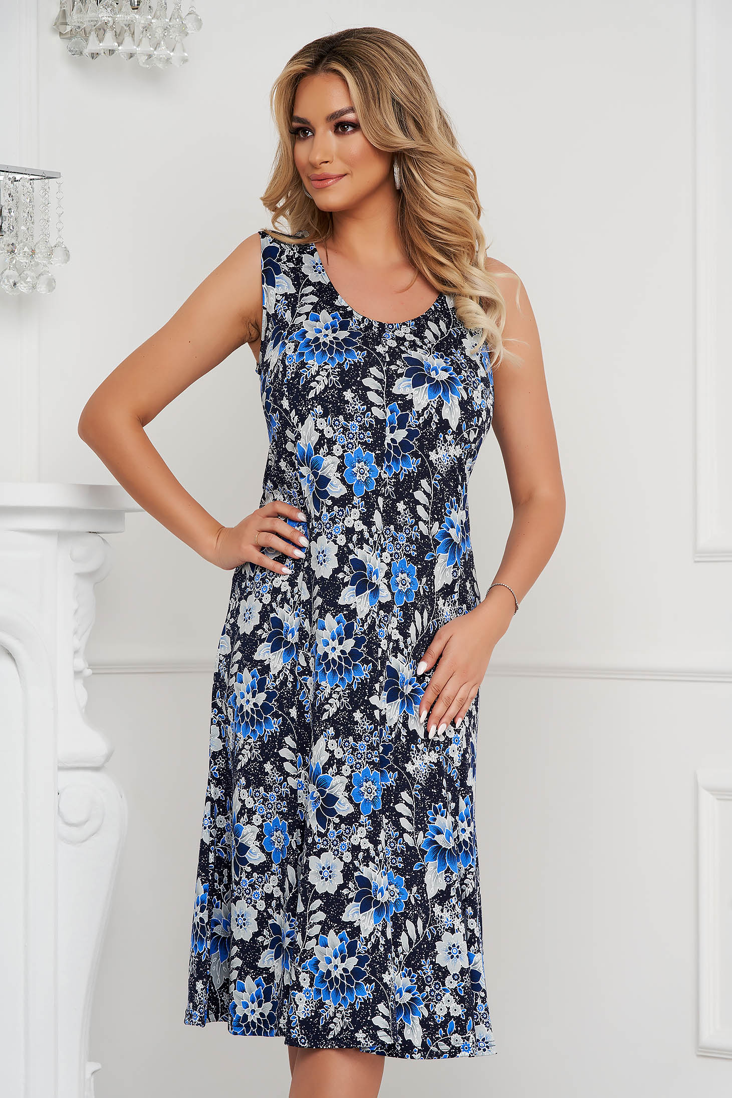 Dress midi a-line sleeveless with rounded cleavage