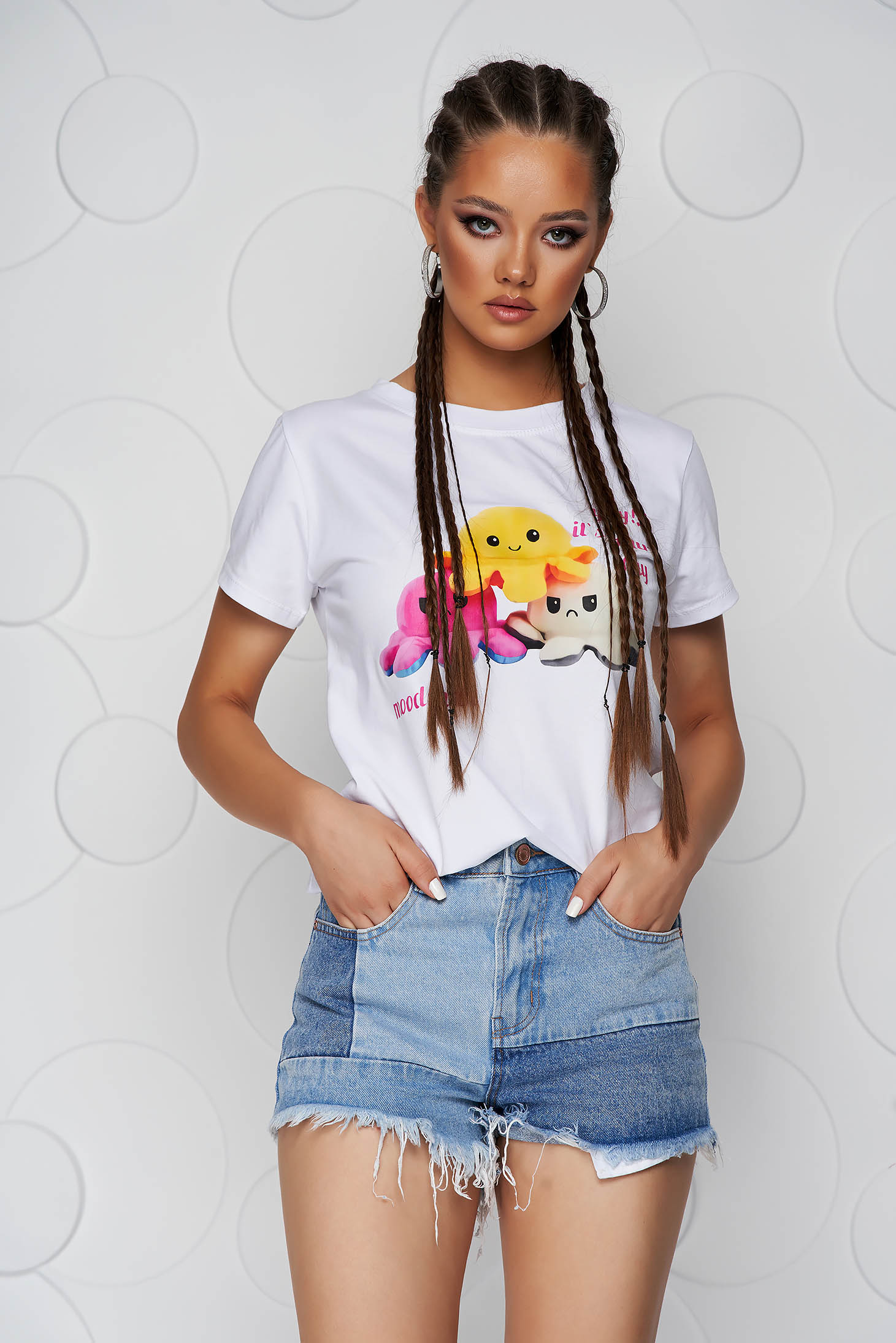 Tricou SunShine alb din bumbac cu croi larg si imprimeuri grafice