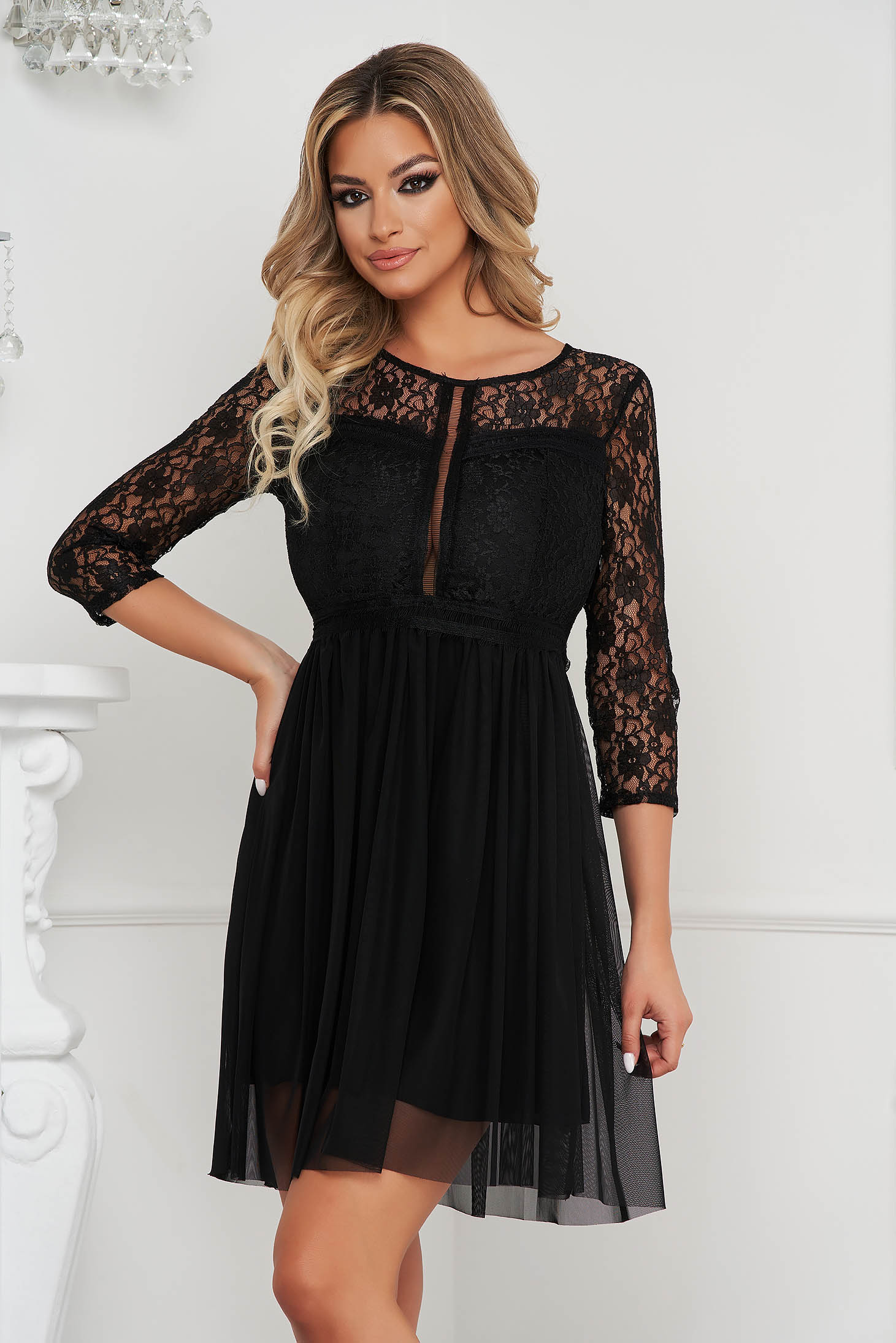 Black dress short cut occasional cloche laced from tulle