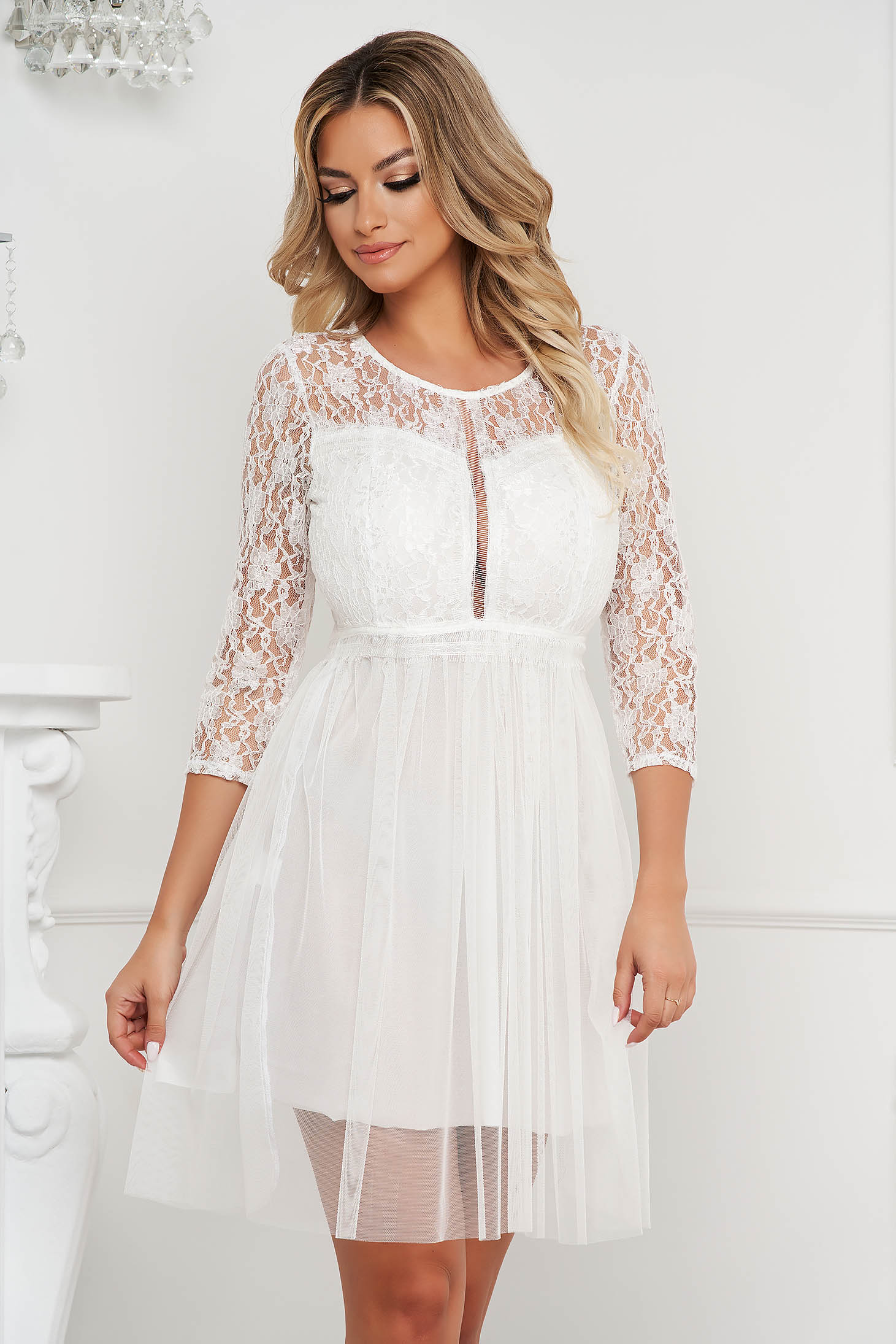 White dress short cut occasional cloche laced from tulle
