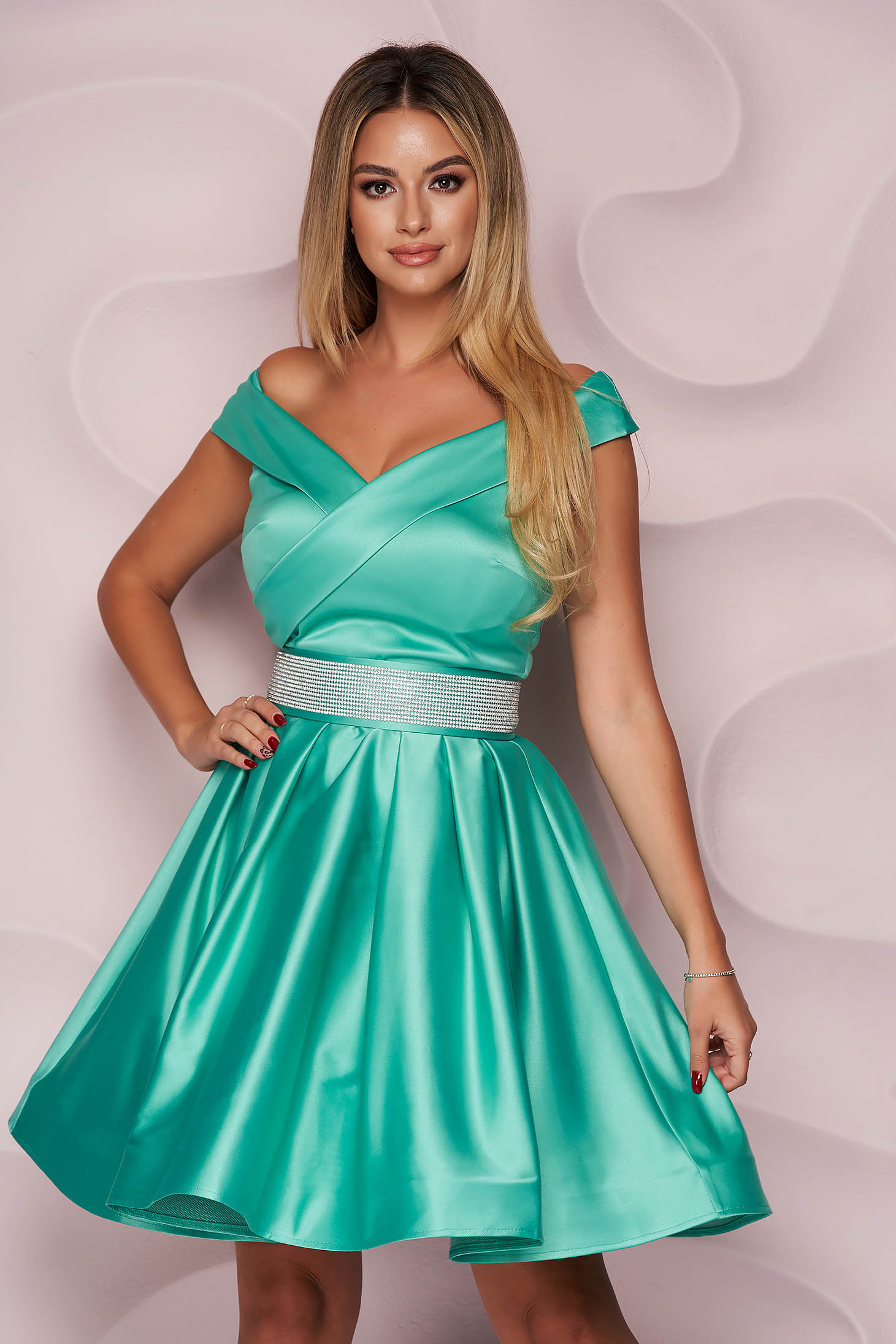 Turquoise dress from satin cloche occasional on the shoulders short cut