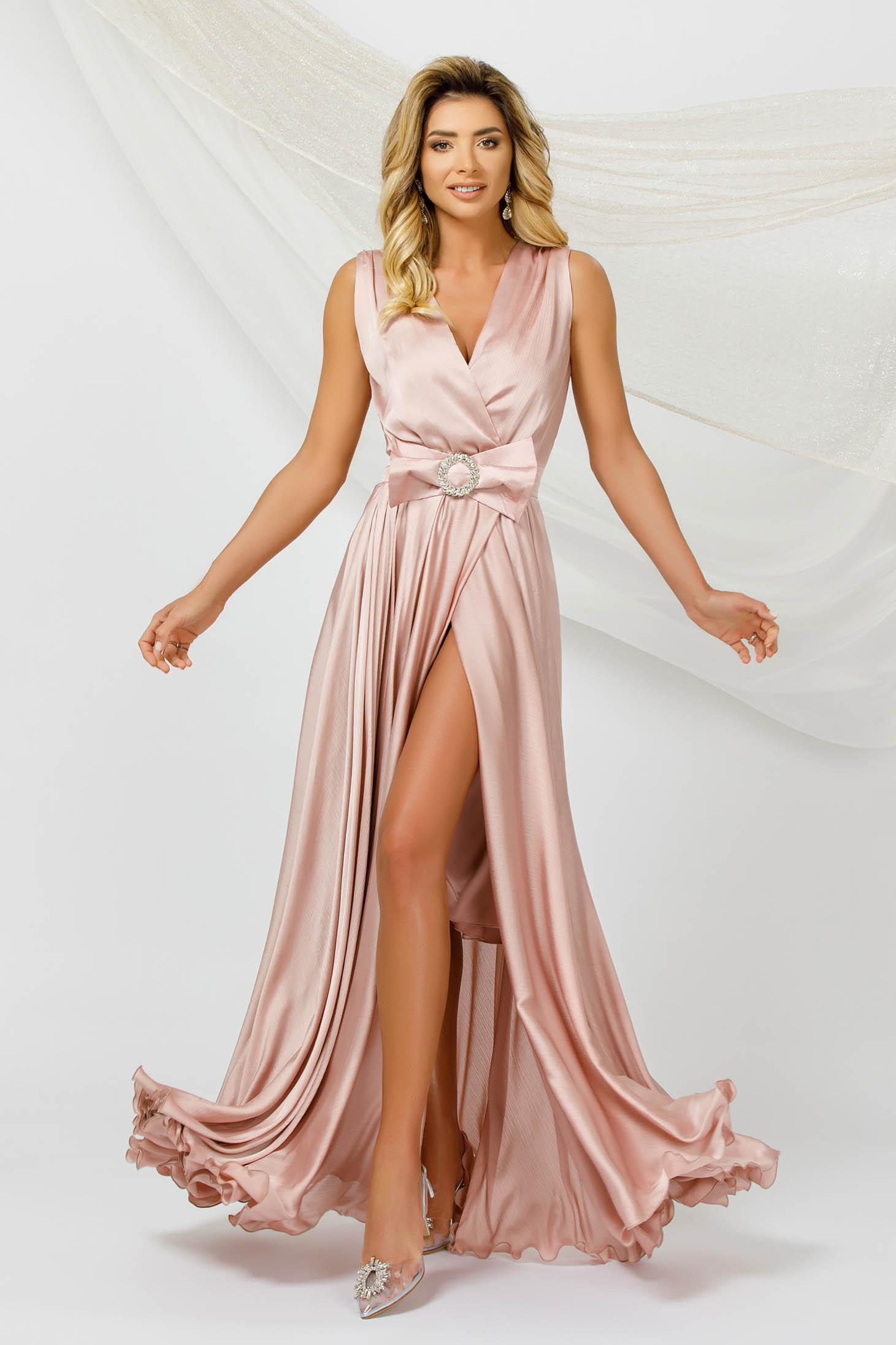 Rochie PrettyGirl roz prafuit lunga de ocazie in clos din voal din material satinat fara maneci