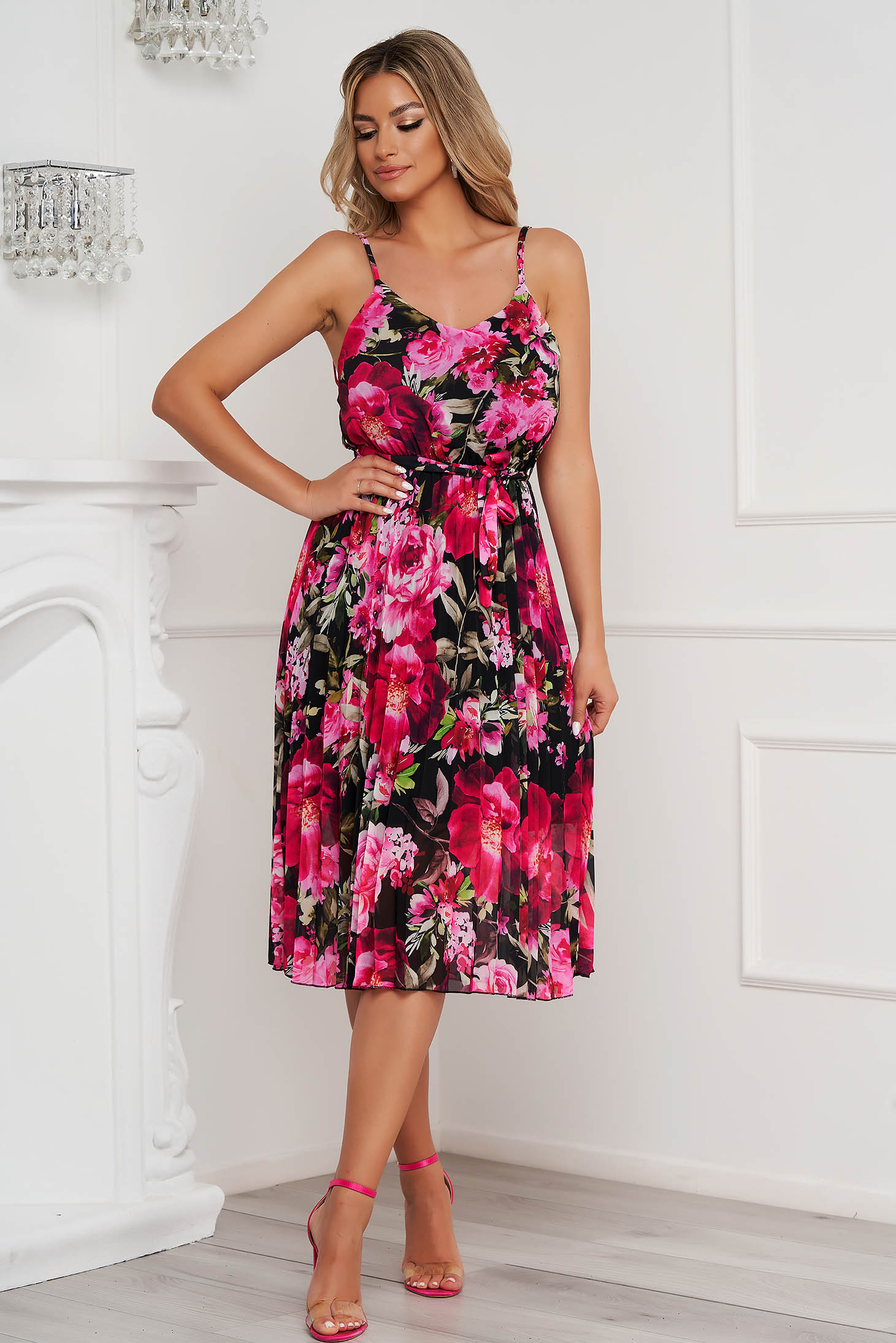 Dress cloche with elastic waist midi from veil fabric folded up detachable cord