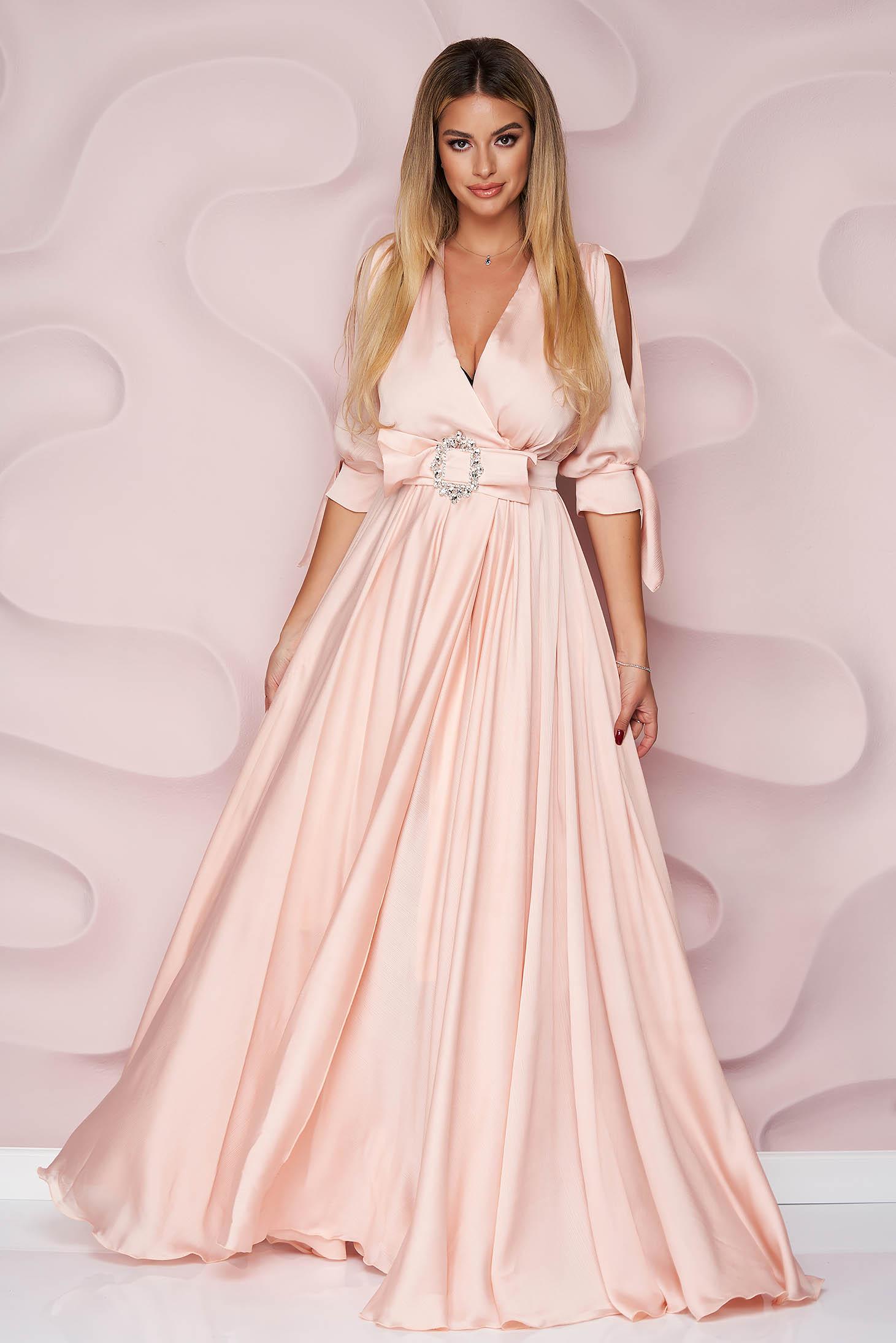 Rochie PrettyGirl roz deschis lunga de ocazie din voal clos cu elastic in talie cu maneci decupate