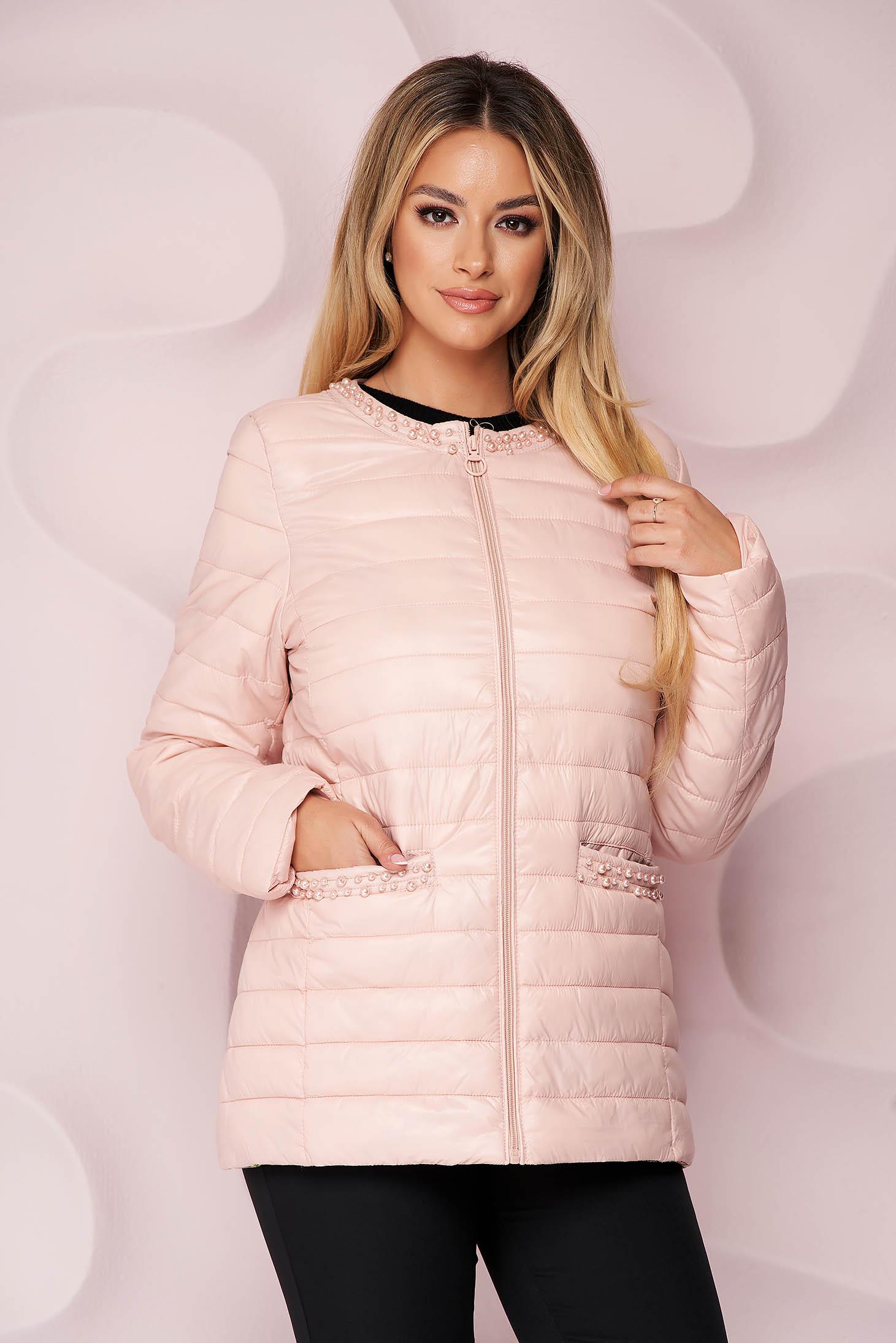 Geaca SunShine roz deschis din fas subtire matlasat cu aplicatii cu perle si croi drept