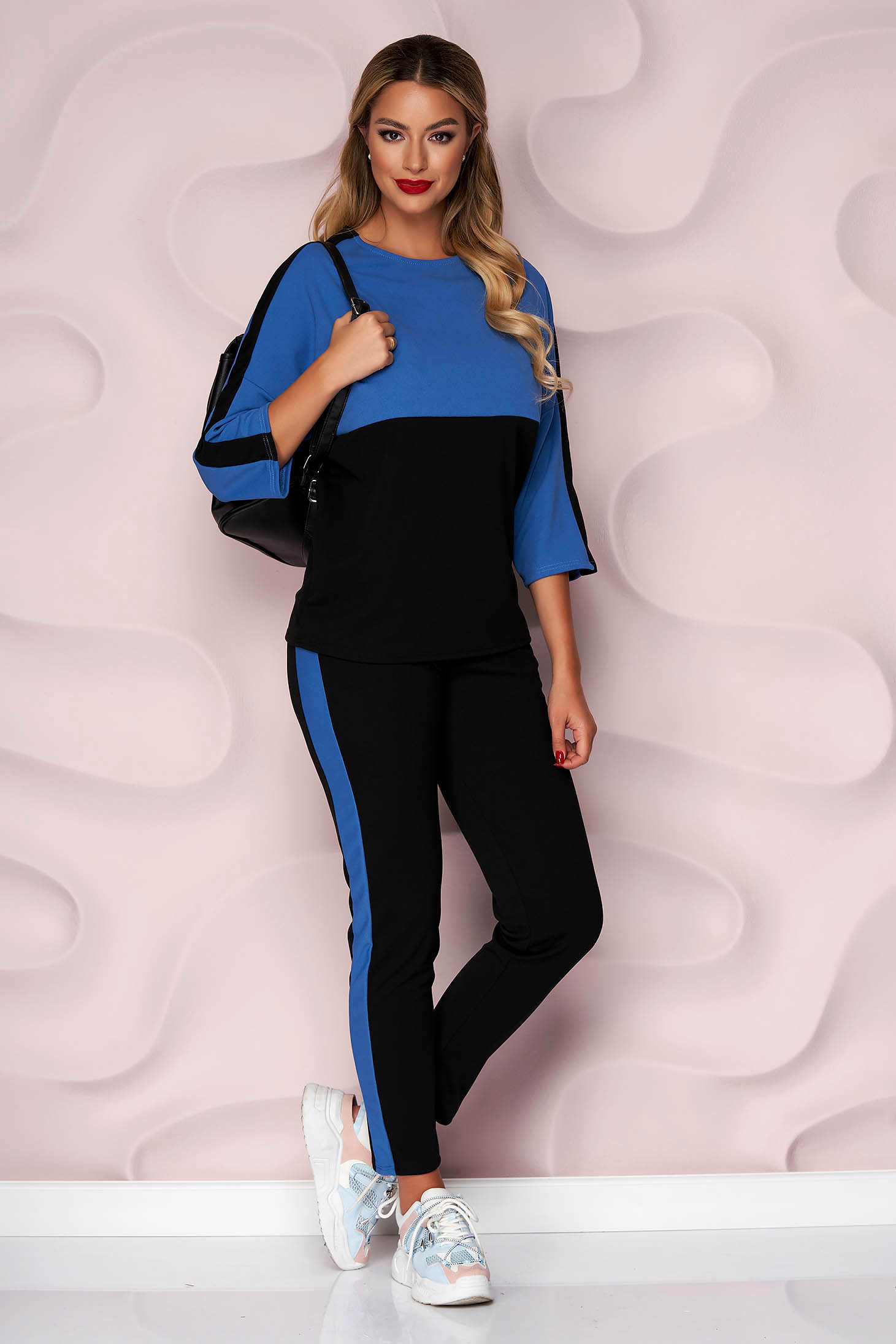 Trening Lady Pandora albastru cu negru cu croi larg cu talie normala si buzunare la pantaloni
