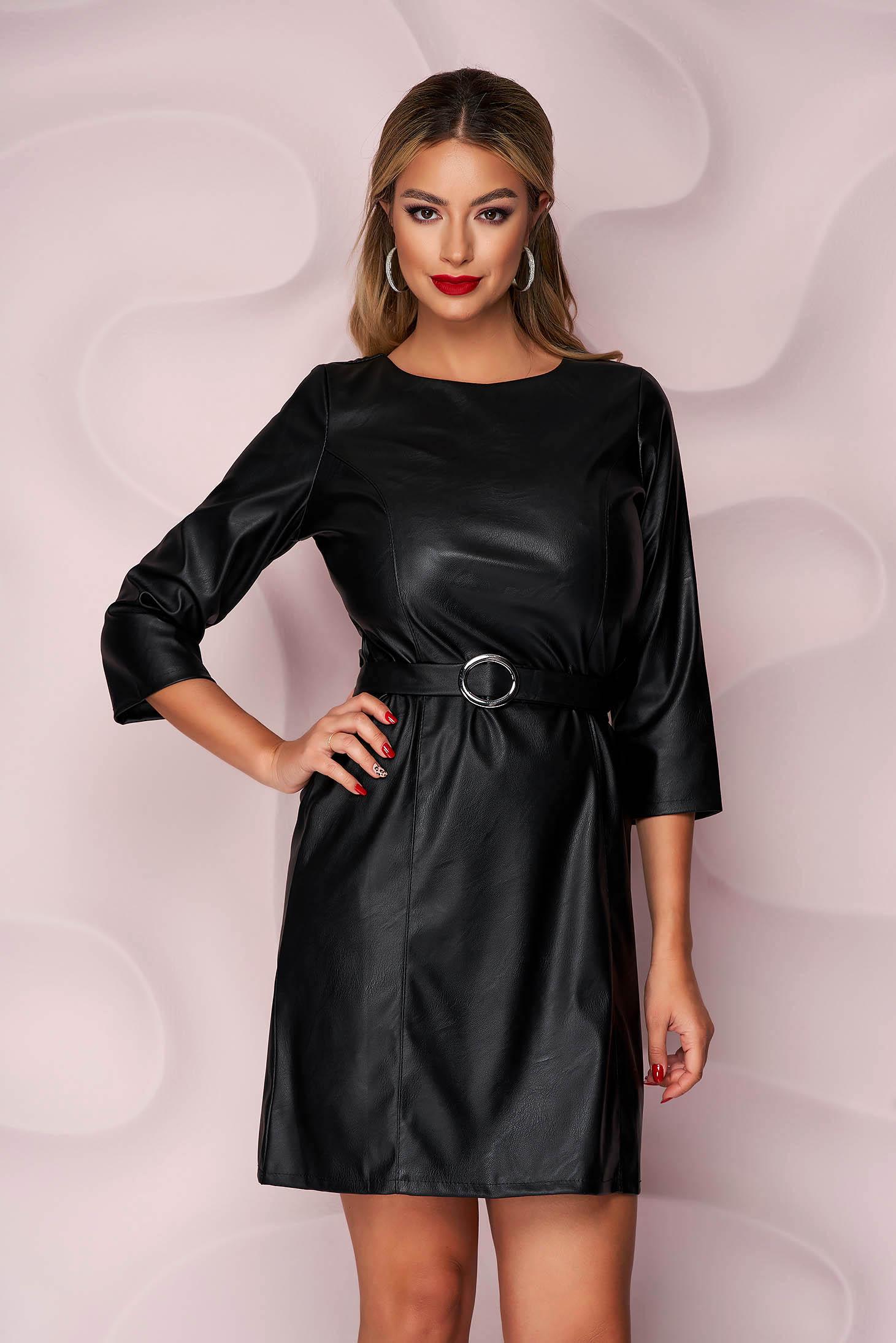 Rochie SunShine neagra casual cu un croi drept din piele ecologica si curea din imitatie de piele