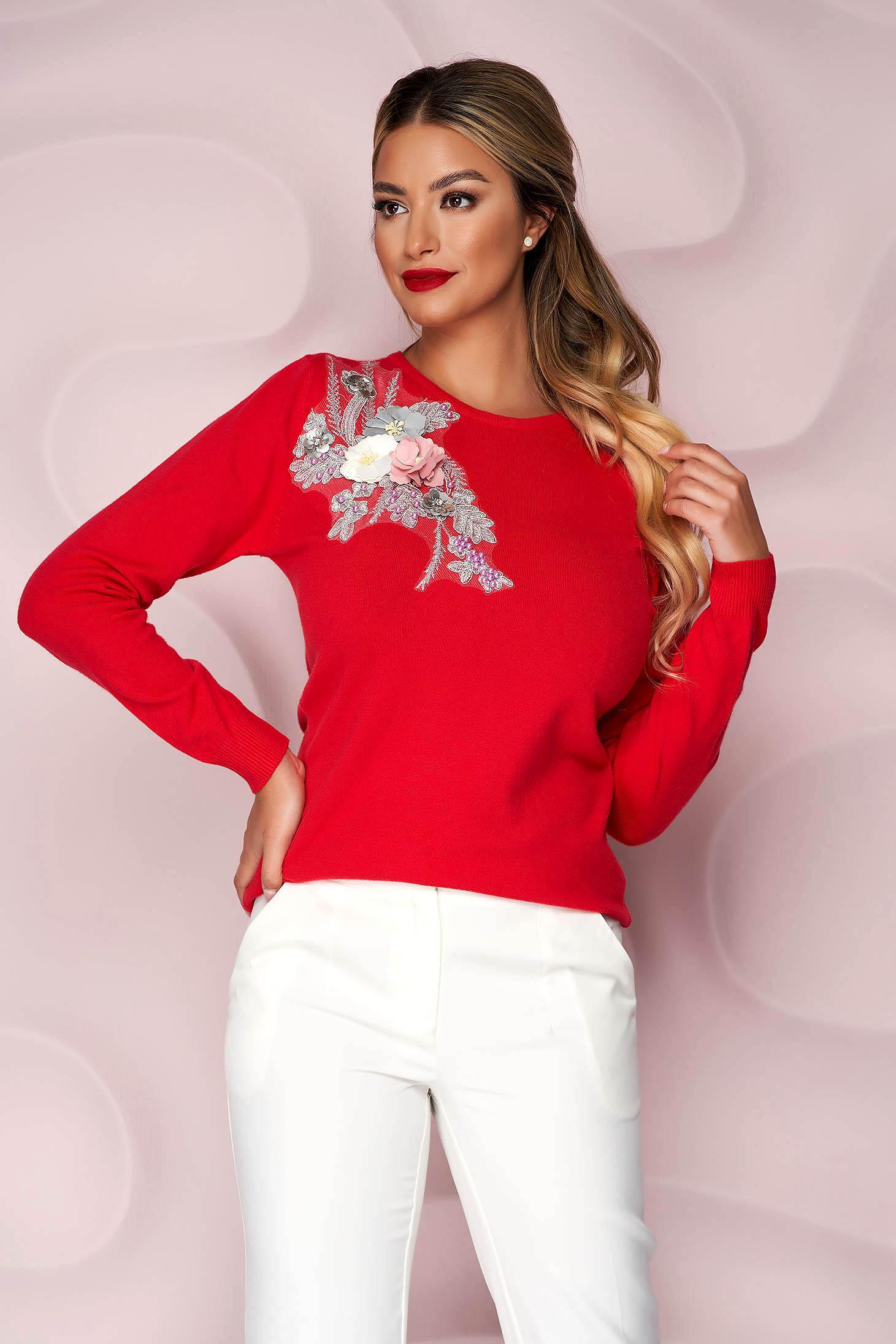 Pulover Lady Pandora rosu tricotat cu croi larg cu flori in relief cu efect 3d