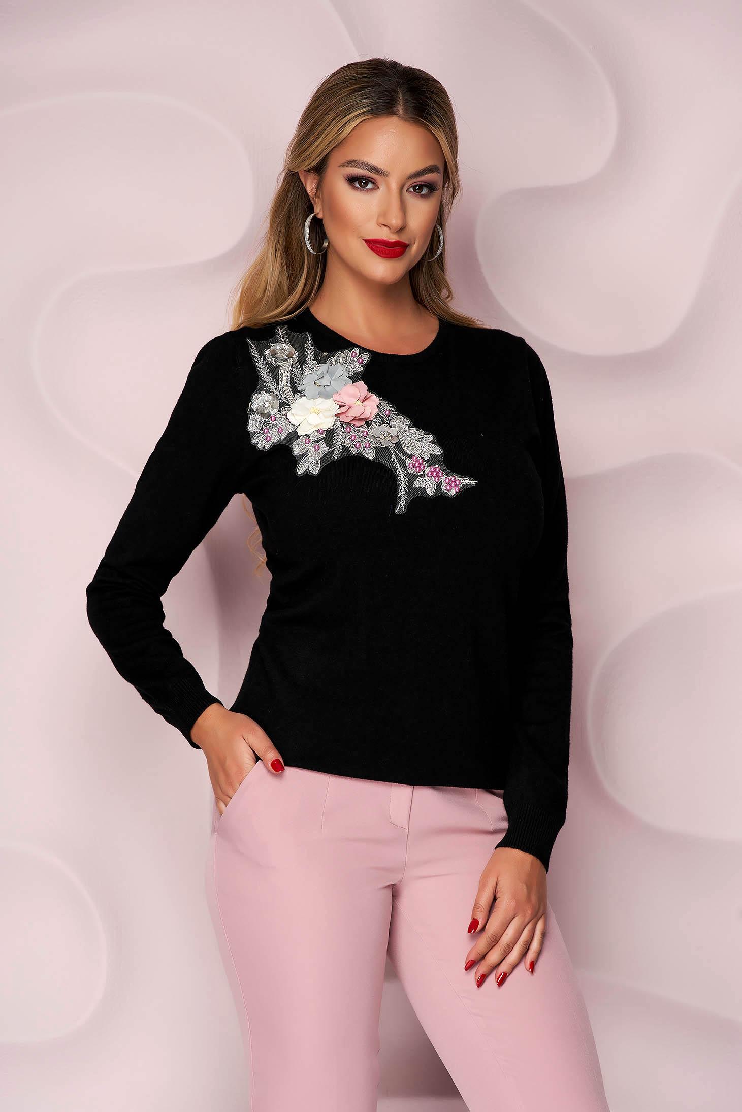 Pulover Lady Pandora negru tricotat cu croi larg cu flori in relief cu efect 3d