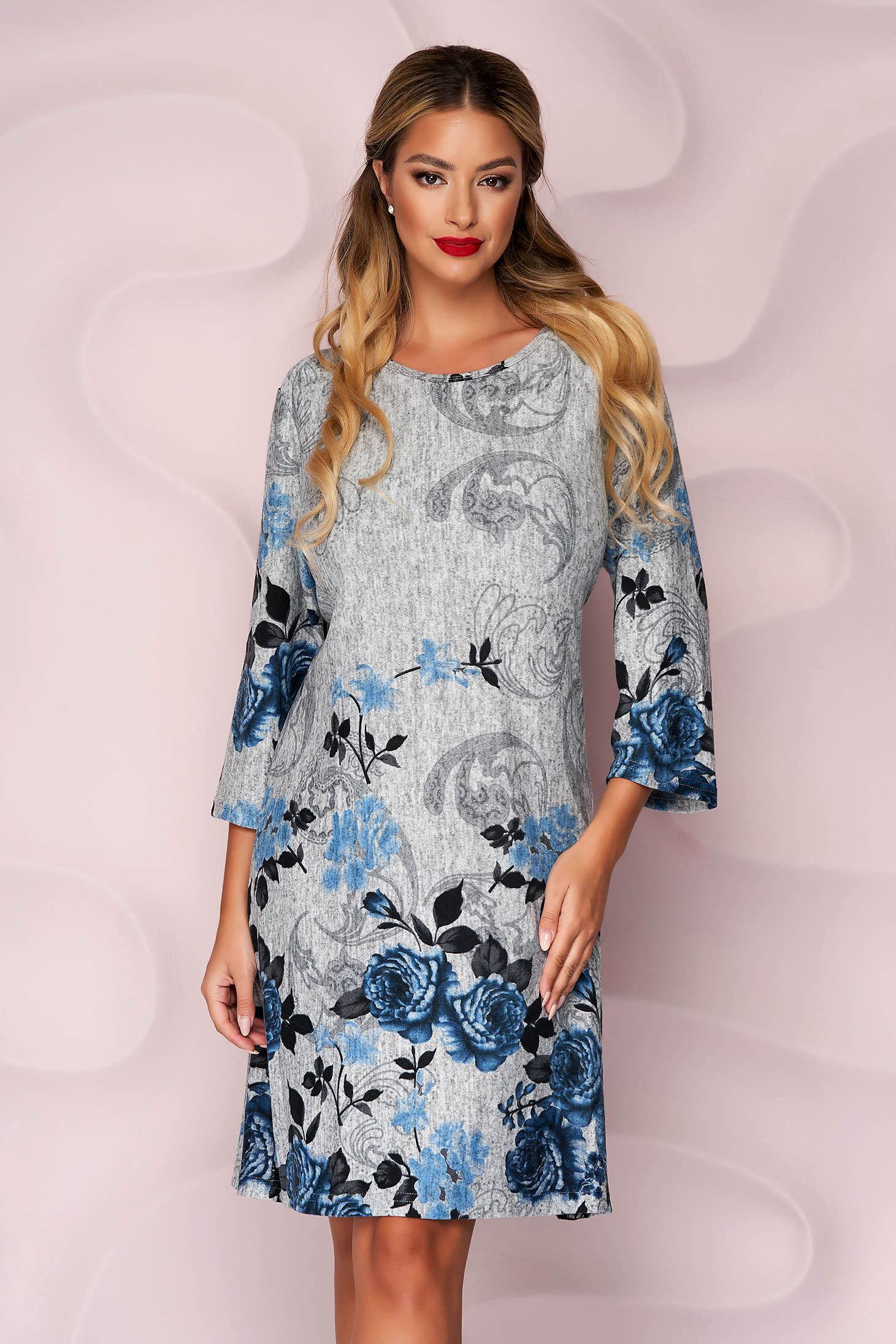 Rochie Lady Pandora gri din tricot subtire si elastic cu un croi drept si imprimeu floral
