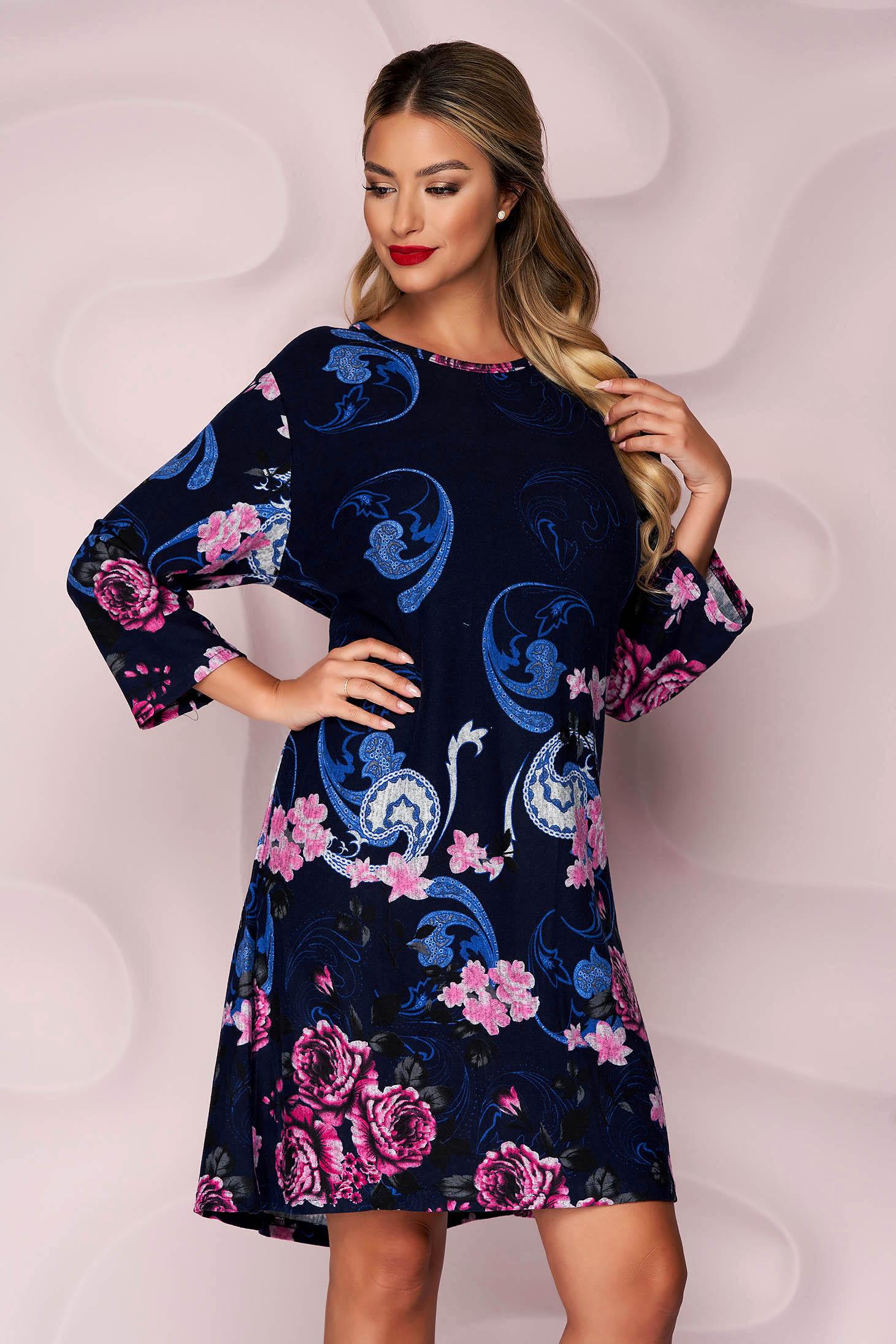 Rochie Lady Pandora albastru-inchis din tricot subtire si elastic cu un croi drept si imprimeu floral