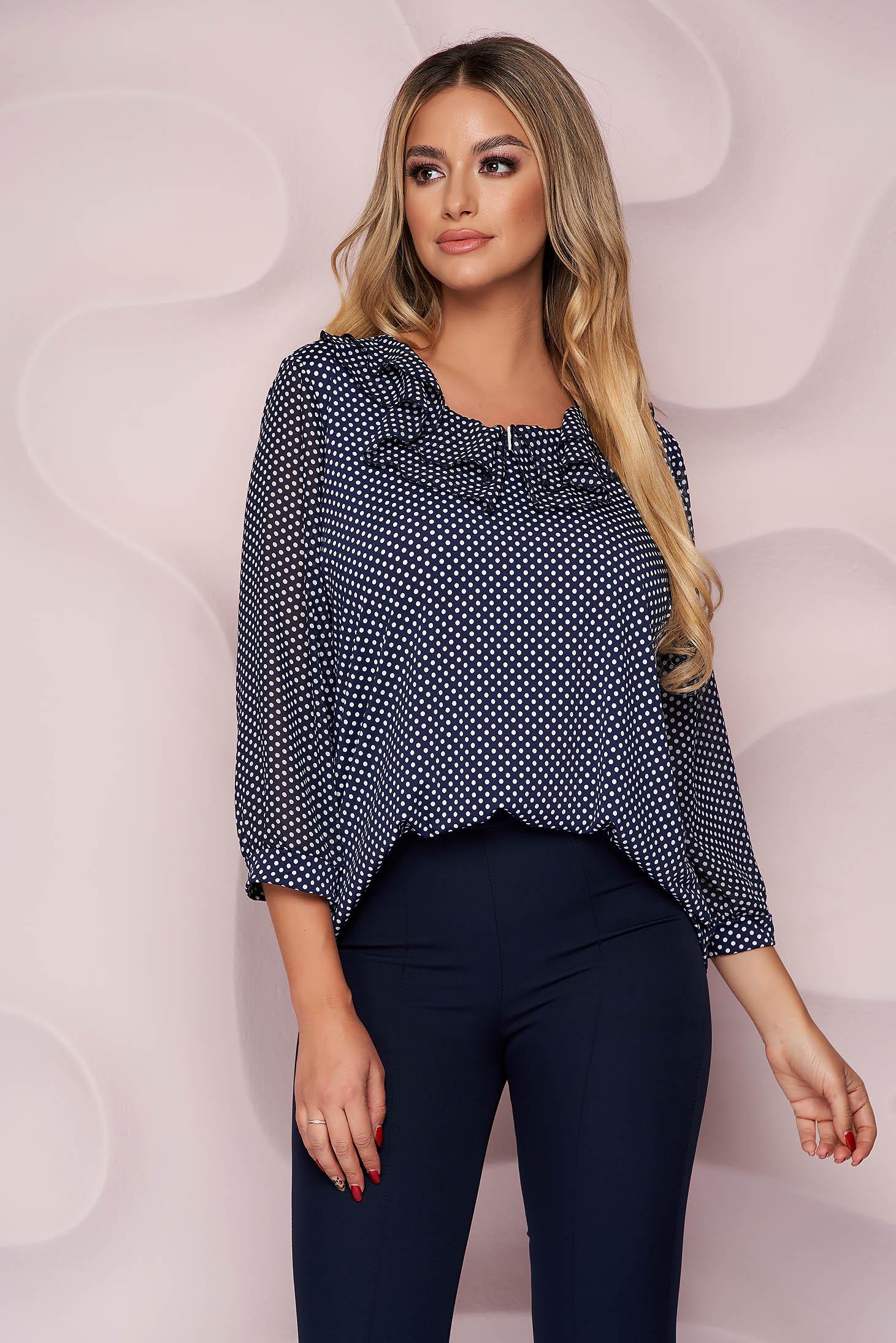 Bluza dama Lady Pandora office cu croi larg din material subtire si elastic si guler cu volanase din voal