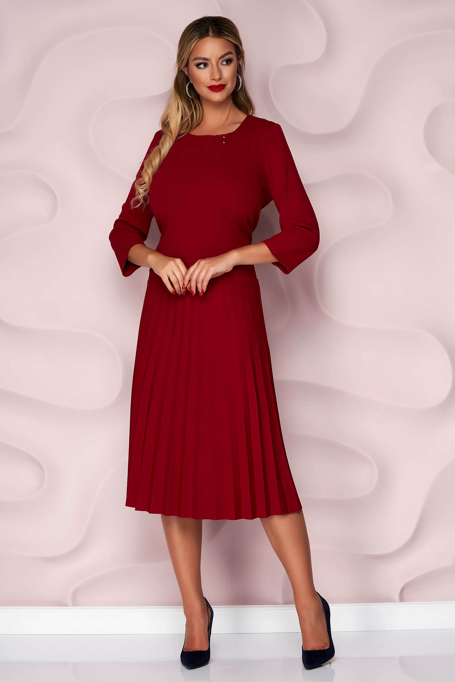 Burgundy dress casual cloche folded up thin fabric slightly elastic fabric with 3/4 sleeves
