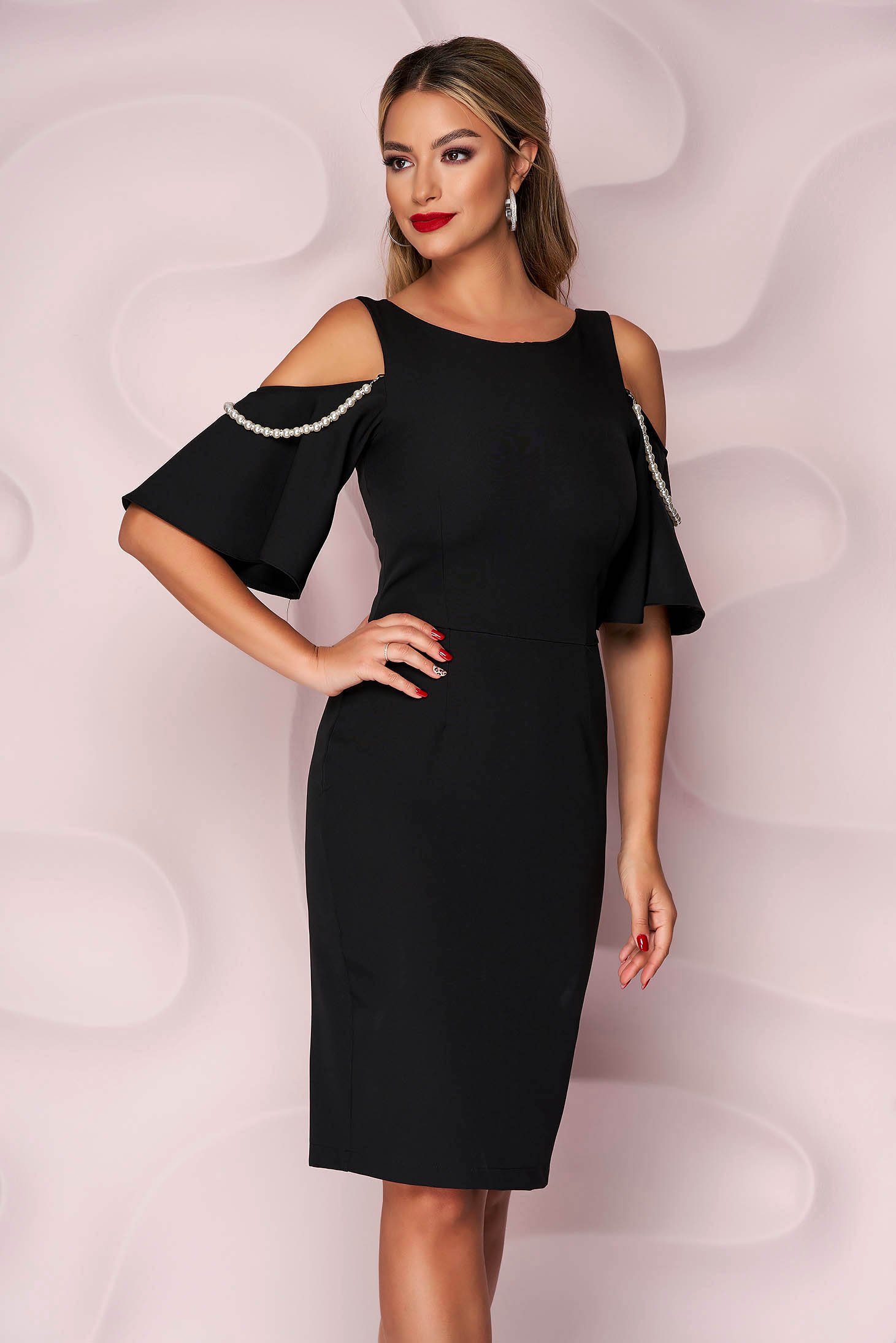 Rochie StarShinerS neagra eleganta cu umeri decupati cu aplicatii cu perle