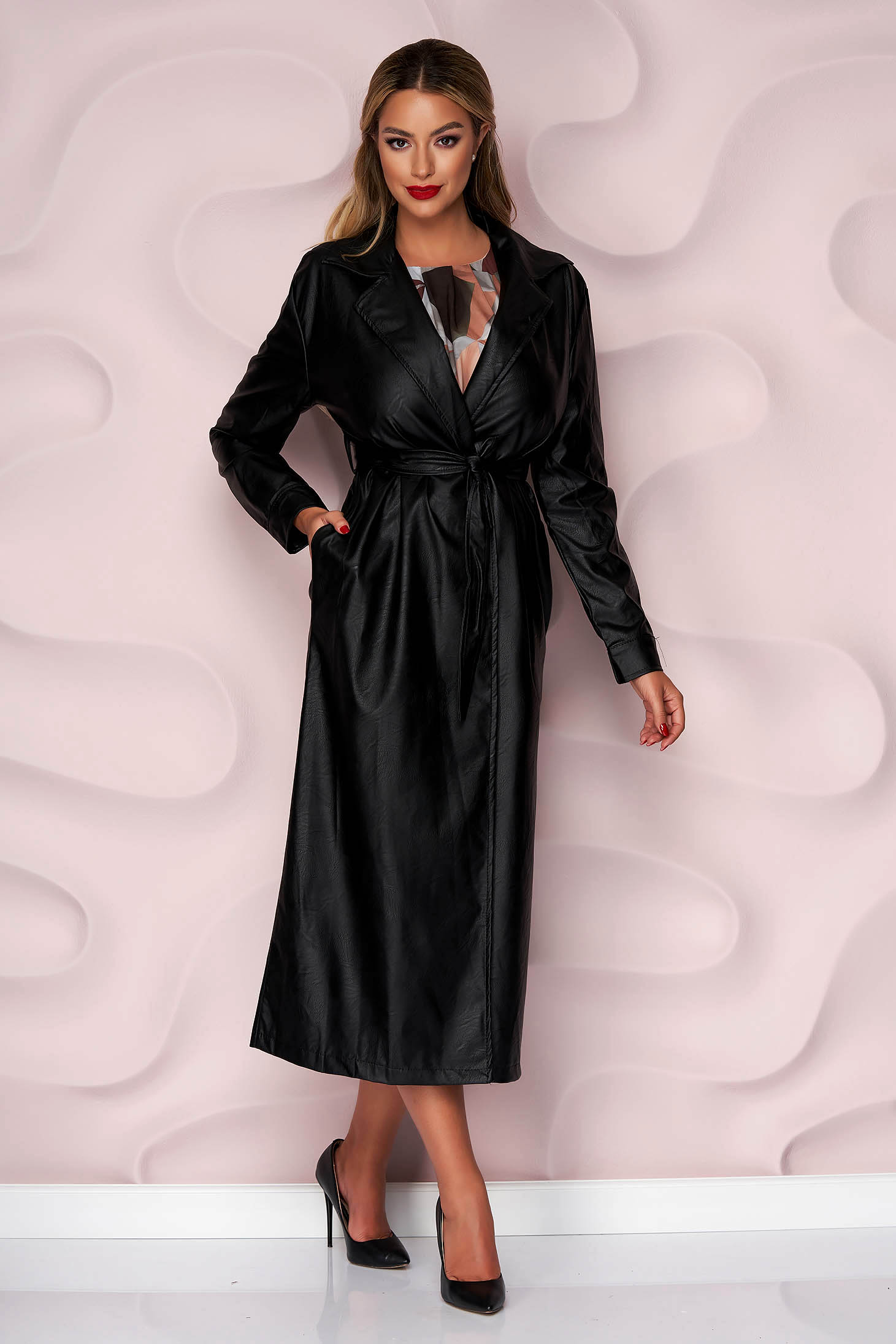 Black overcoat lateral pockets detachable cord ecological leather slightly elastic fabric