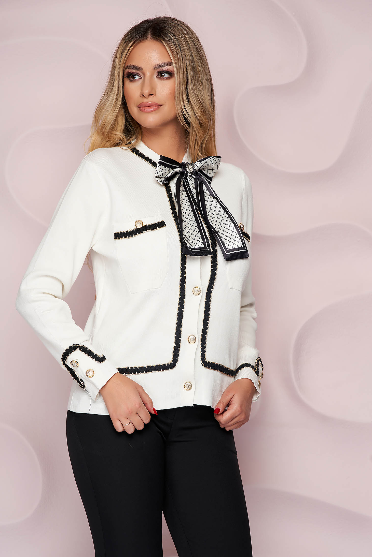 Ivory cardigan thin fabric accessorized with breastpin from elastic fabric closure with gold buttons knitted fabric