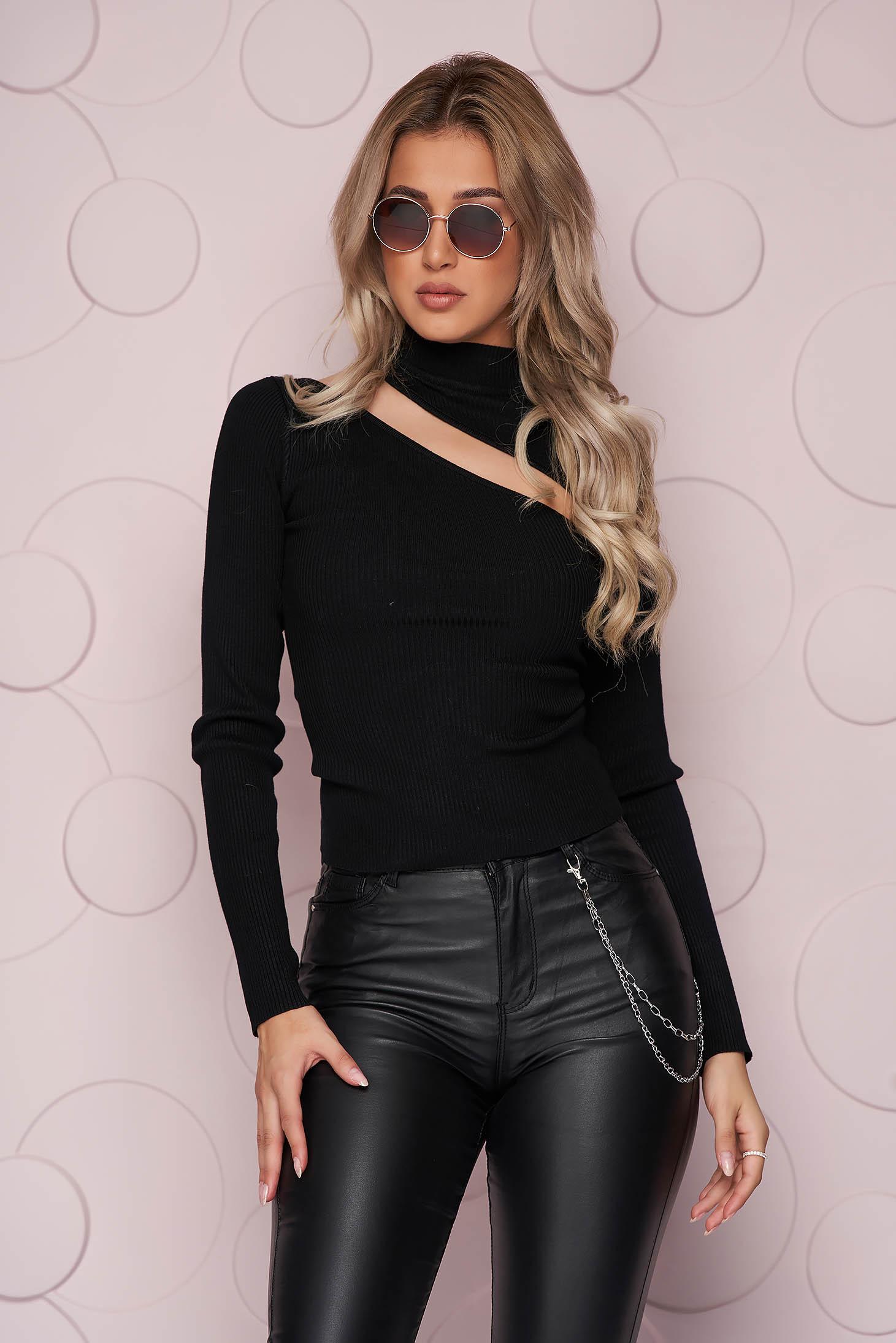 Bluza dama SunShine neagra scurta mulata din material tricotat reiat si decupata la bust