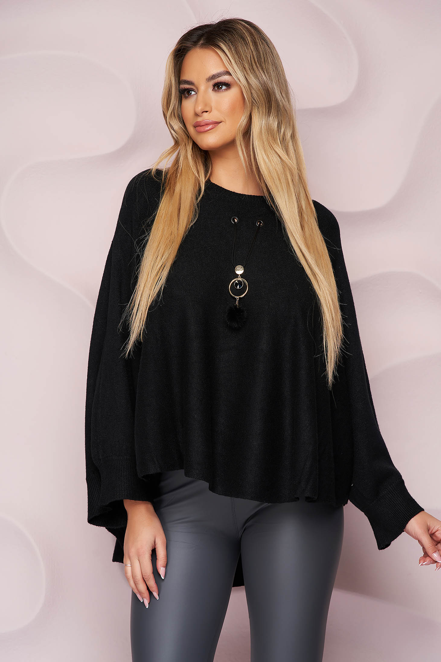 Black sweater loose fit knitted fabric from elastic fabric casual accesorised with necklace