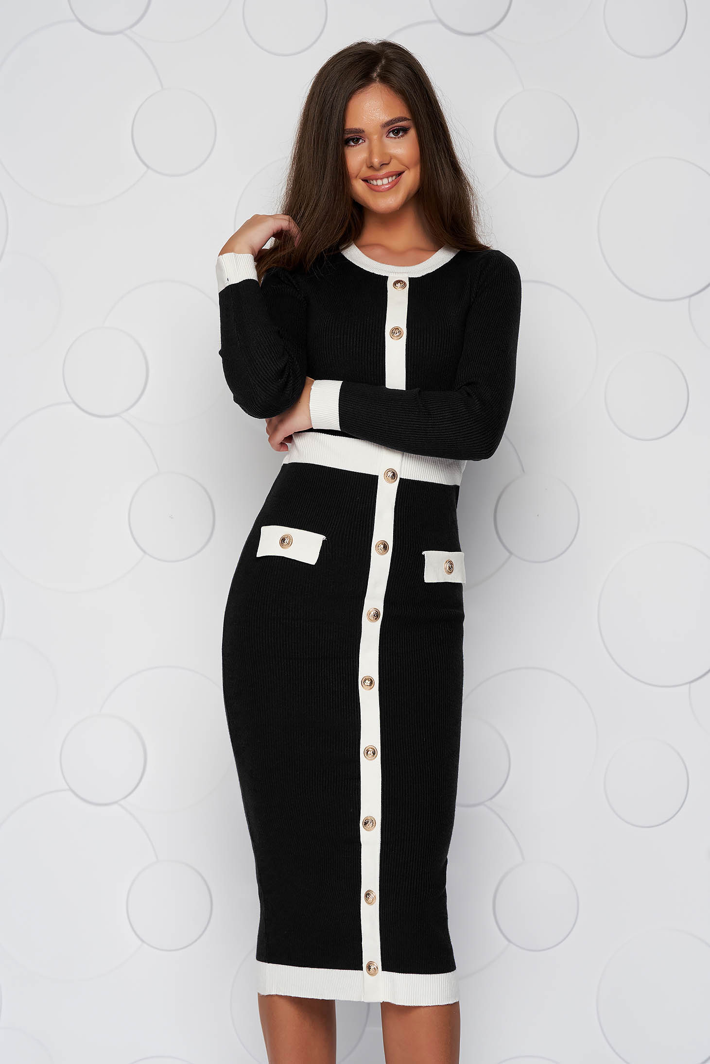 Rochie SunShine neagra midi tip creion din material tricotat accesorizata cu nasturi cu buzunare false