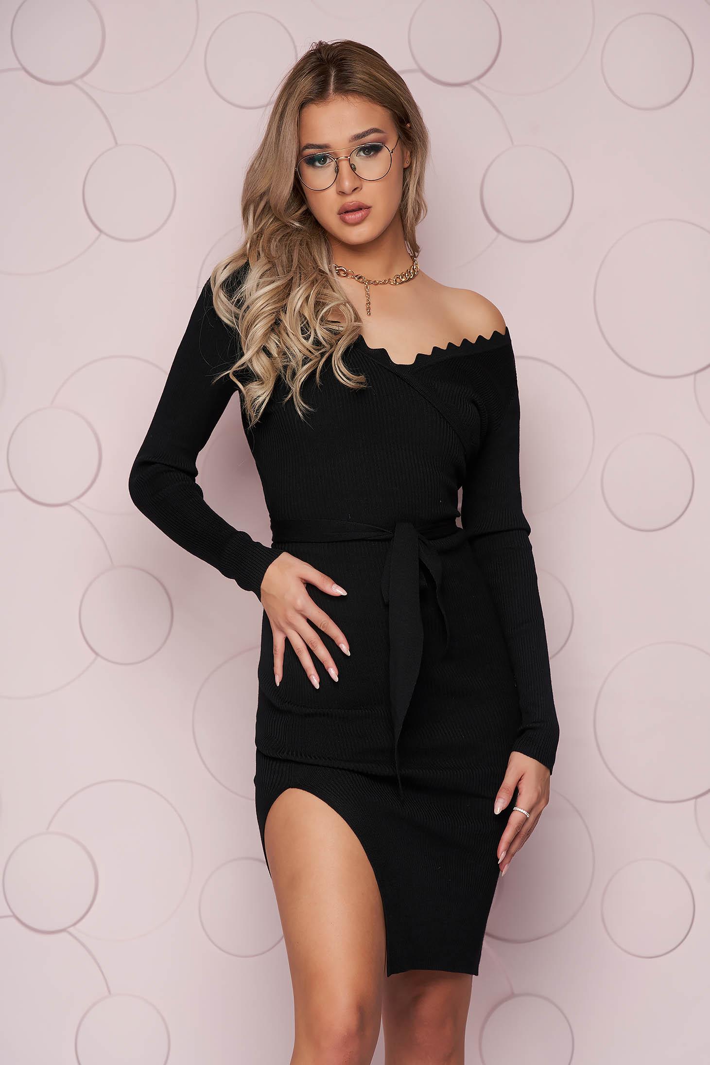 Rochie SunShine neagra casual midi din material tricotat elastic cu slit lateral si cordon