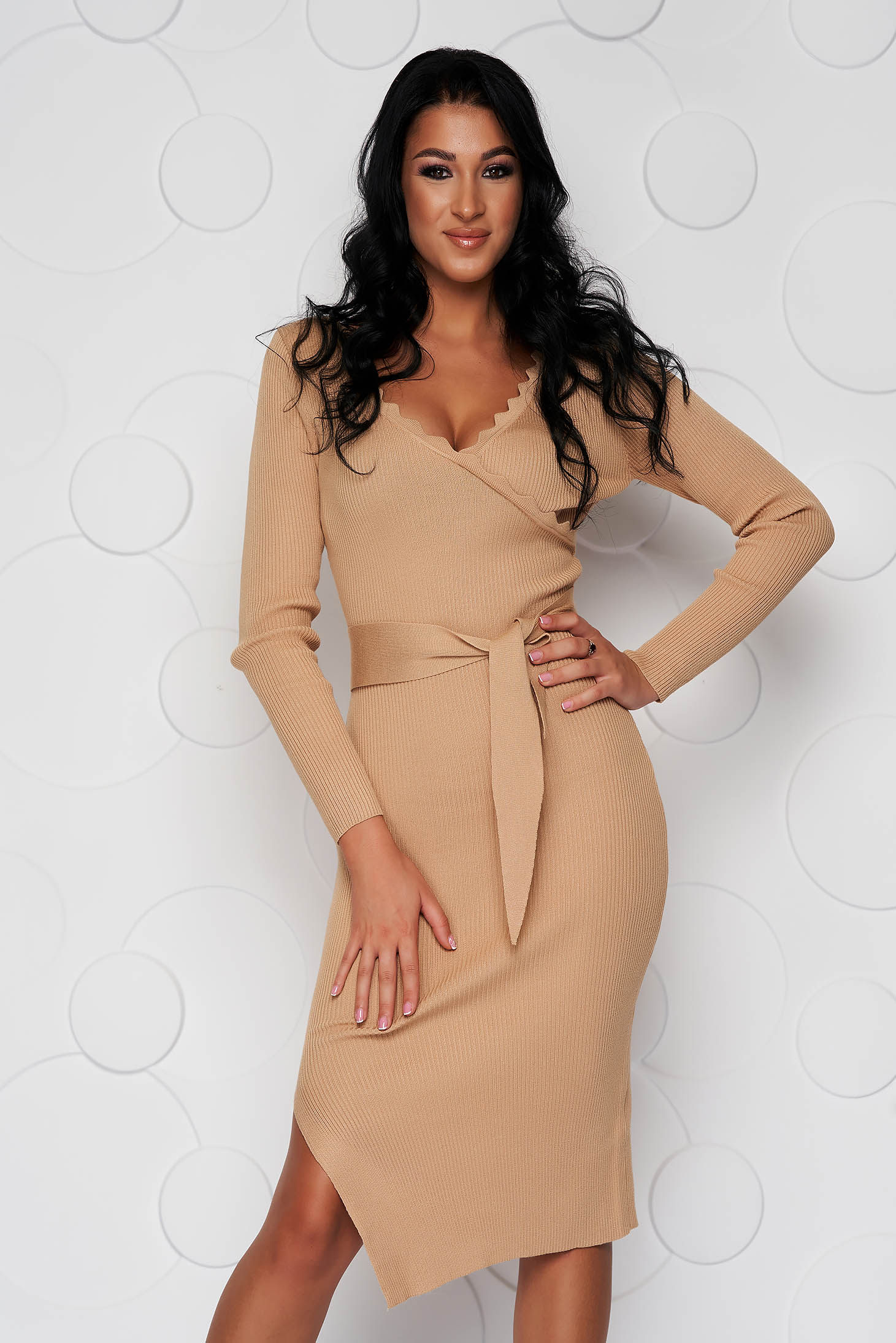 Cream dress casual knitted fabric midi accessorized with tied waistband from elastic fabric