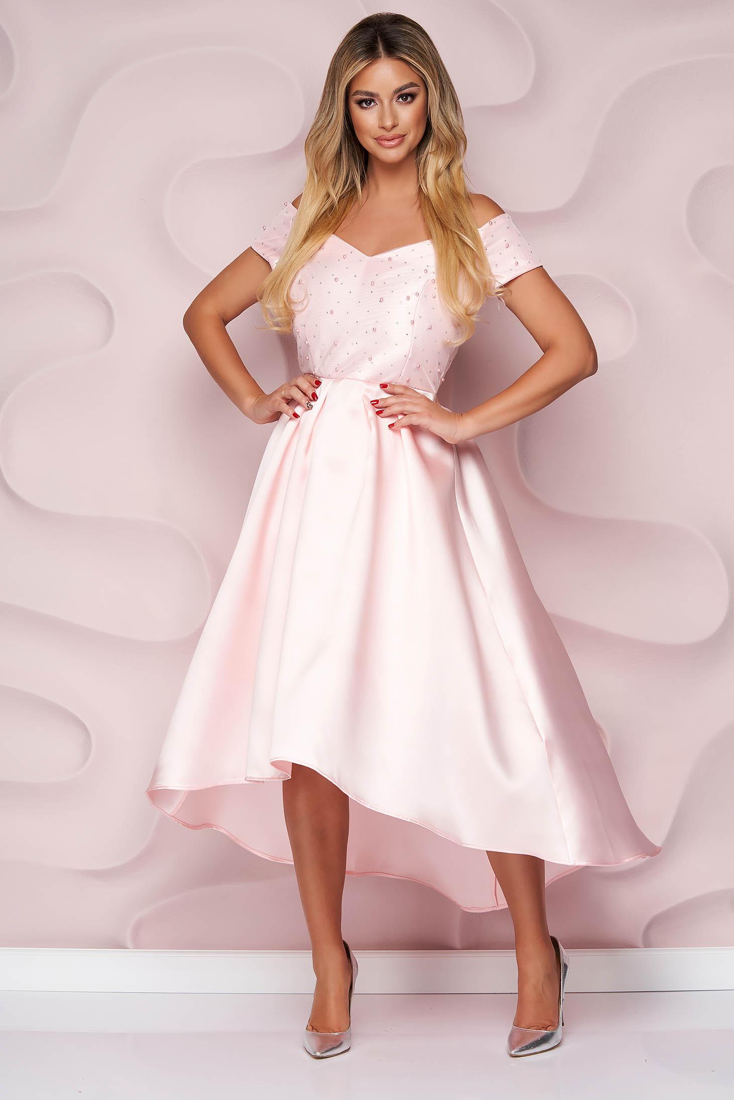 Rochie StarShinerS roz deschis de ocazie in clos asimetrica din material gros cu aplicatii cu perle si pietre strass