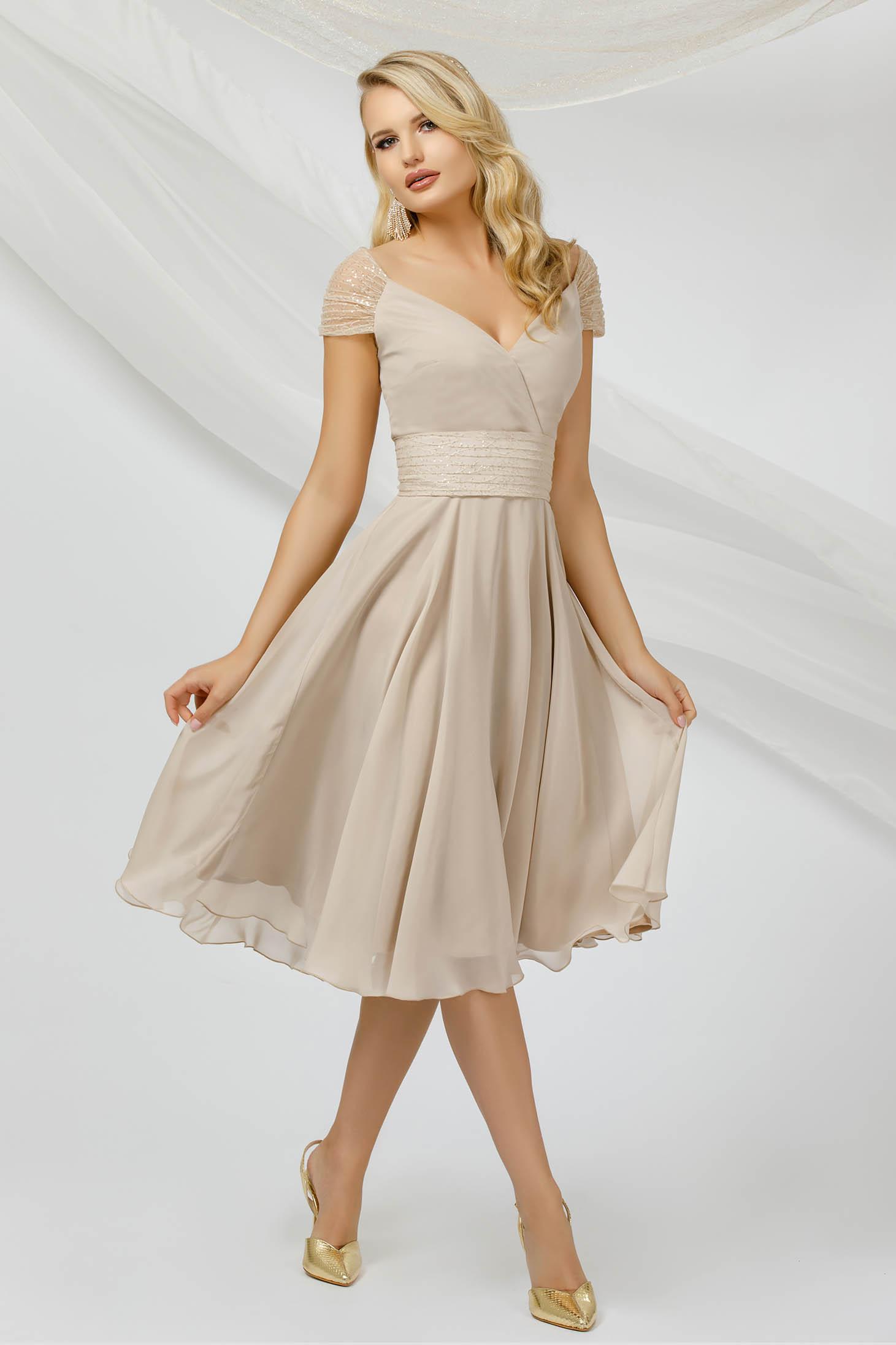 Alkalmi midi krémszínű ruha vékony muszlinból flitteres díszítéssel