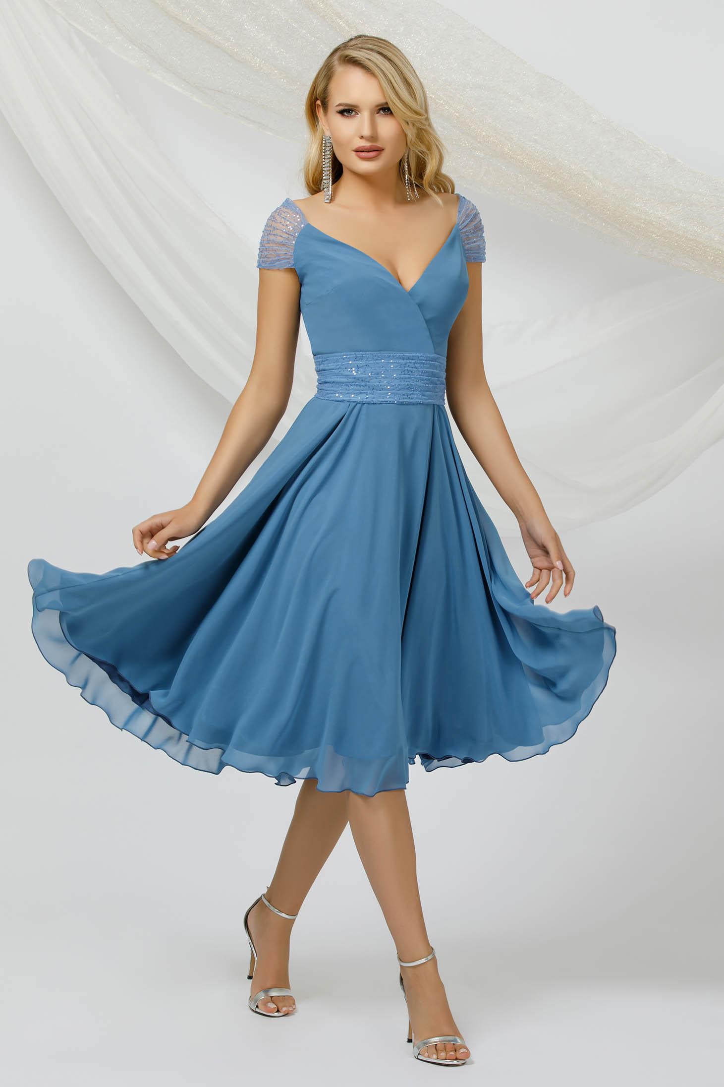 Rochie PrettyGirl albastra midi de ocazie din material subtire din voal si aplicatii cu paiete