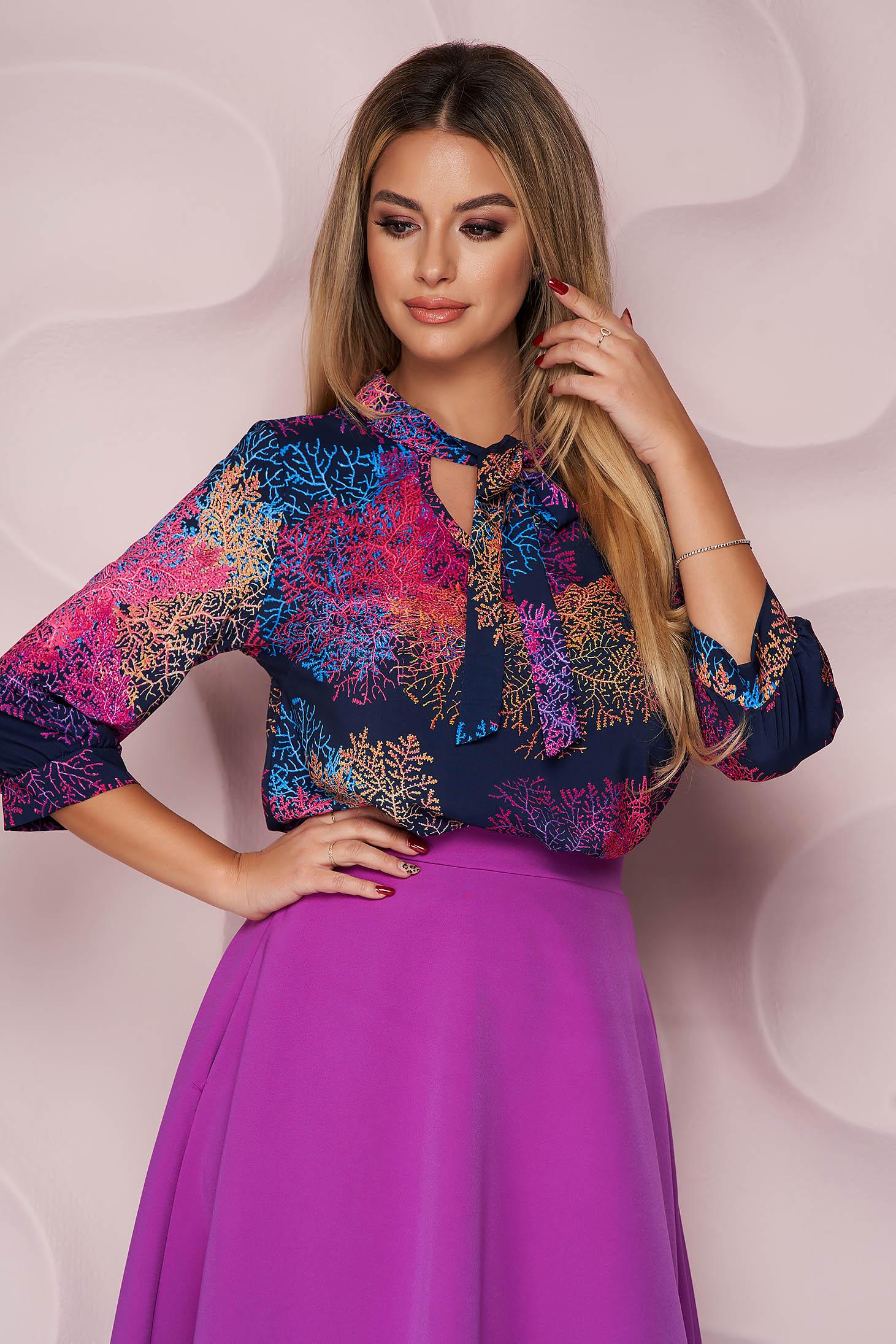 Bluza dama StarShinerS office cu croi larg asimetrica din material neelastic si imprimeu floral