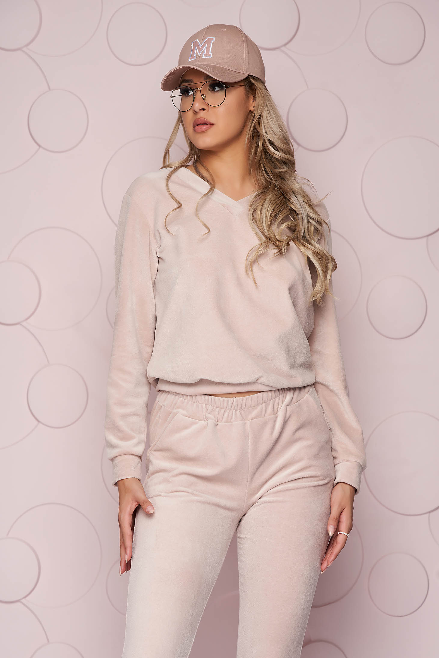 Cream sport 2 pieces long loose fit velvet sporty from soft fabric