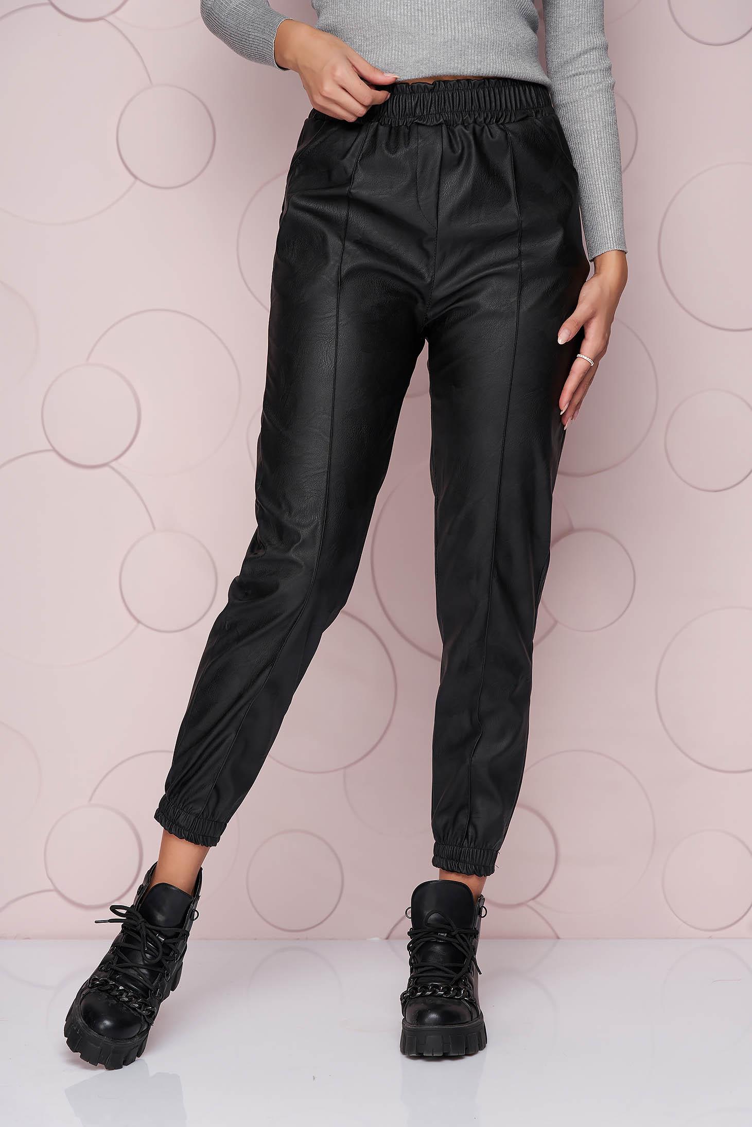 Hosszú fekete bő szabású szintetikus bőr nadrág rugalmas anyagból