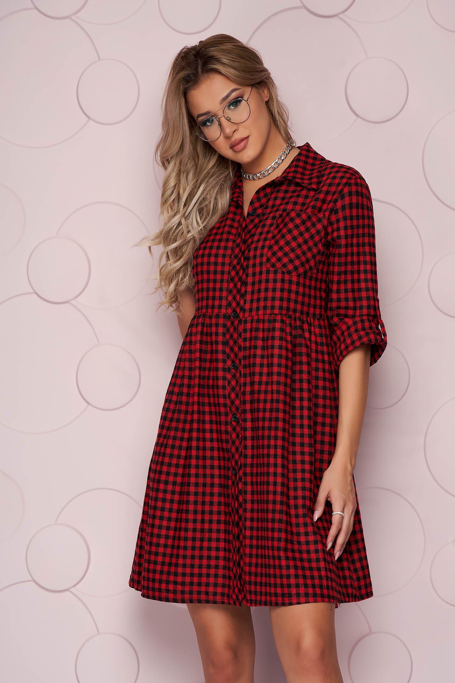 Piros kockás rövid bő szabású ruha vékony merevitett finom tapintásu anyagból
