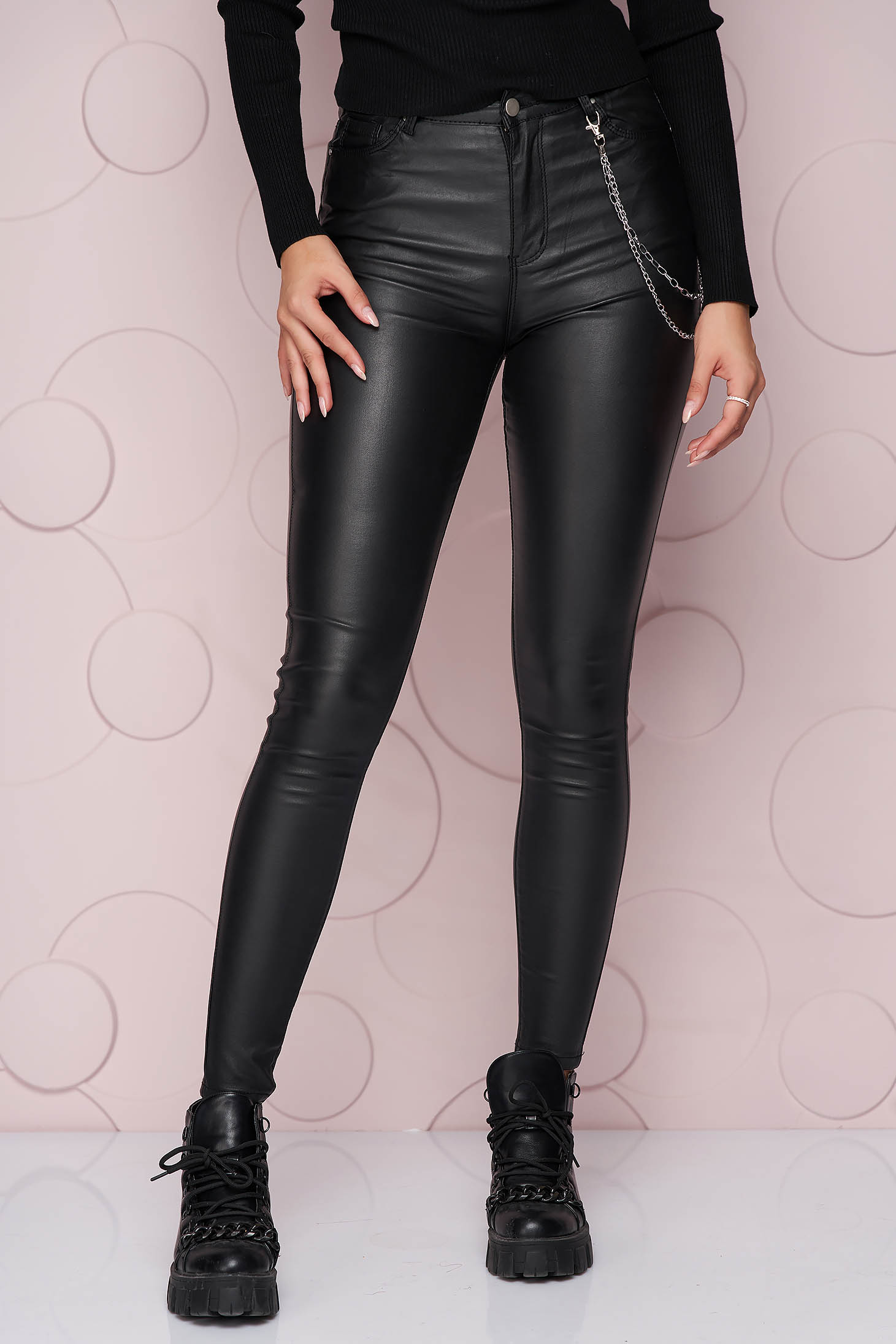Black trousers high waisted thin fabric from elastic fabric with tented cut metallic chain accessory