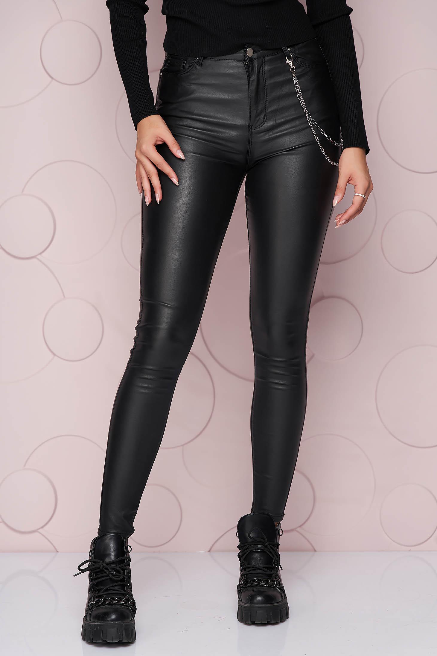 Pantaloni SunShine negri cu un croi mulat si talie inalta din material subtire si elastic accesorizati cu lant metalic