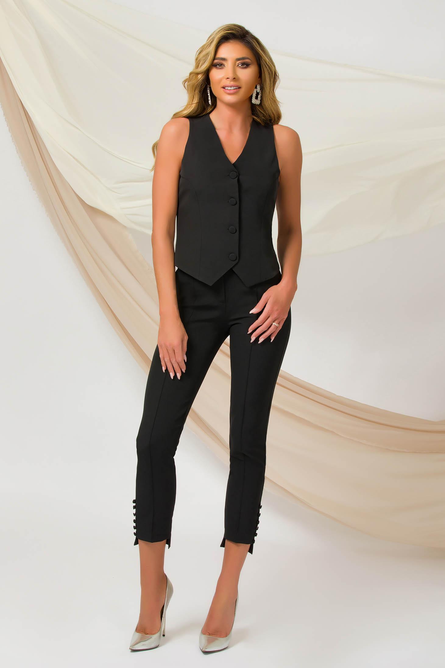 Pantaloni PrettyGirl negri office conici din material usor elastic accesorizati cu nasturi la terminatie