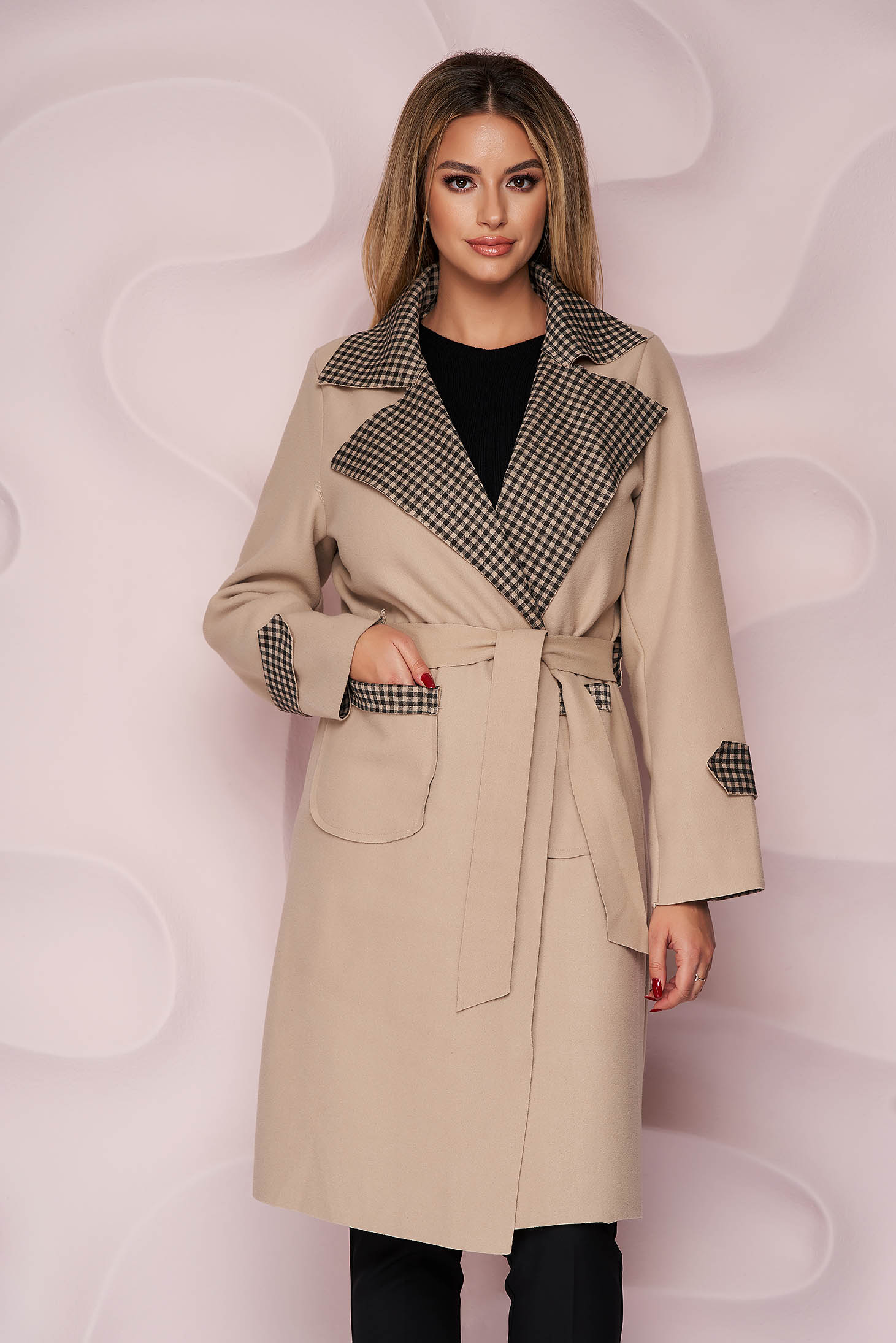 Cream trenchcoat long straight thick fabric slightly elastic fabric detachable cord with chequers