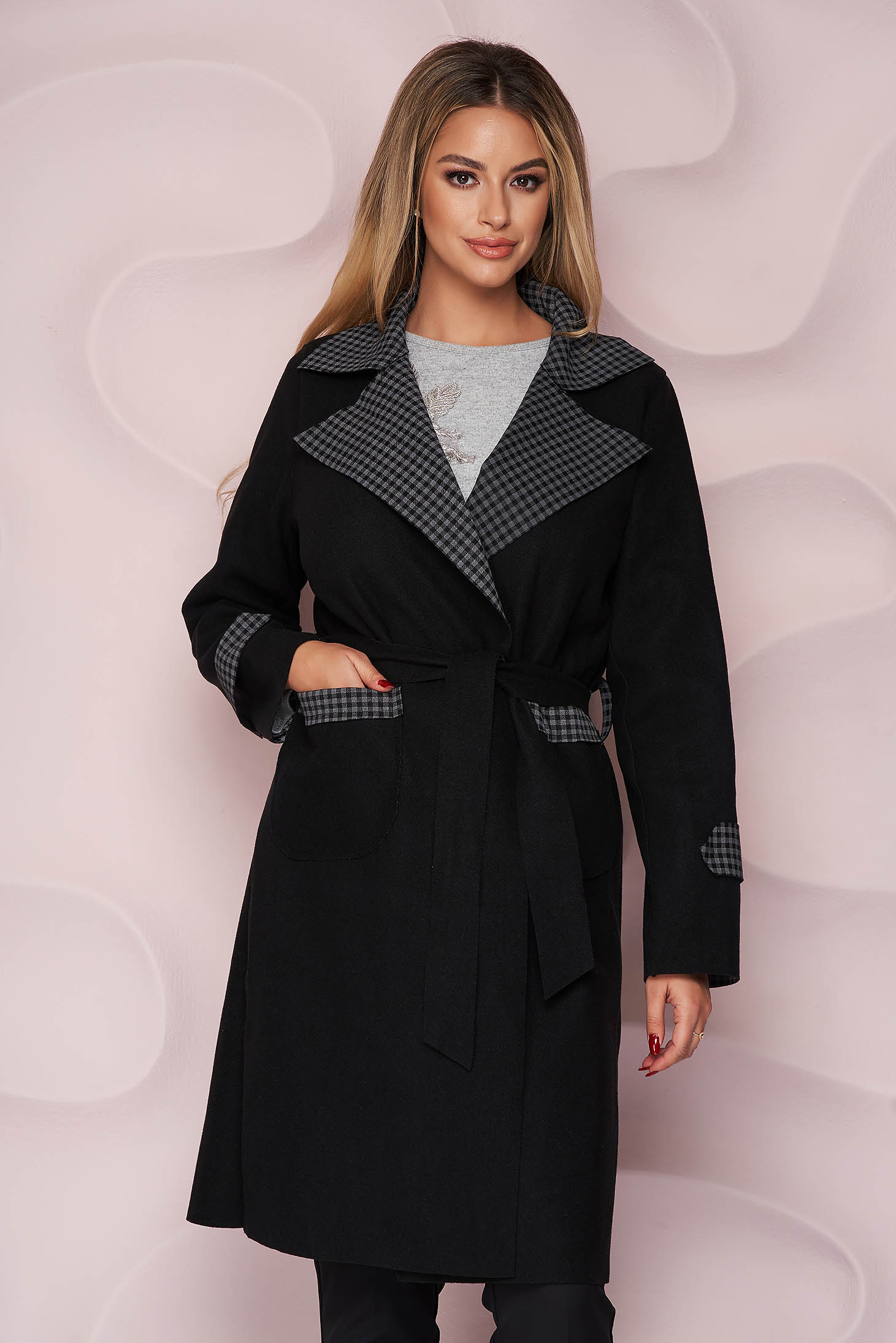 Black trenchcoat long straight thick fabric slightly elastic fabric detachable cord with chequers