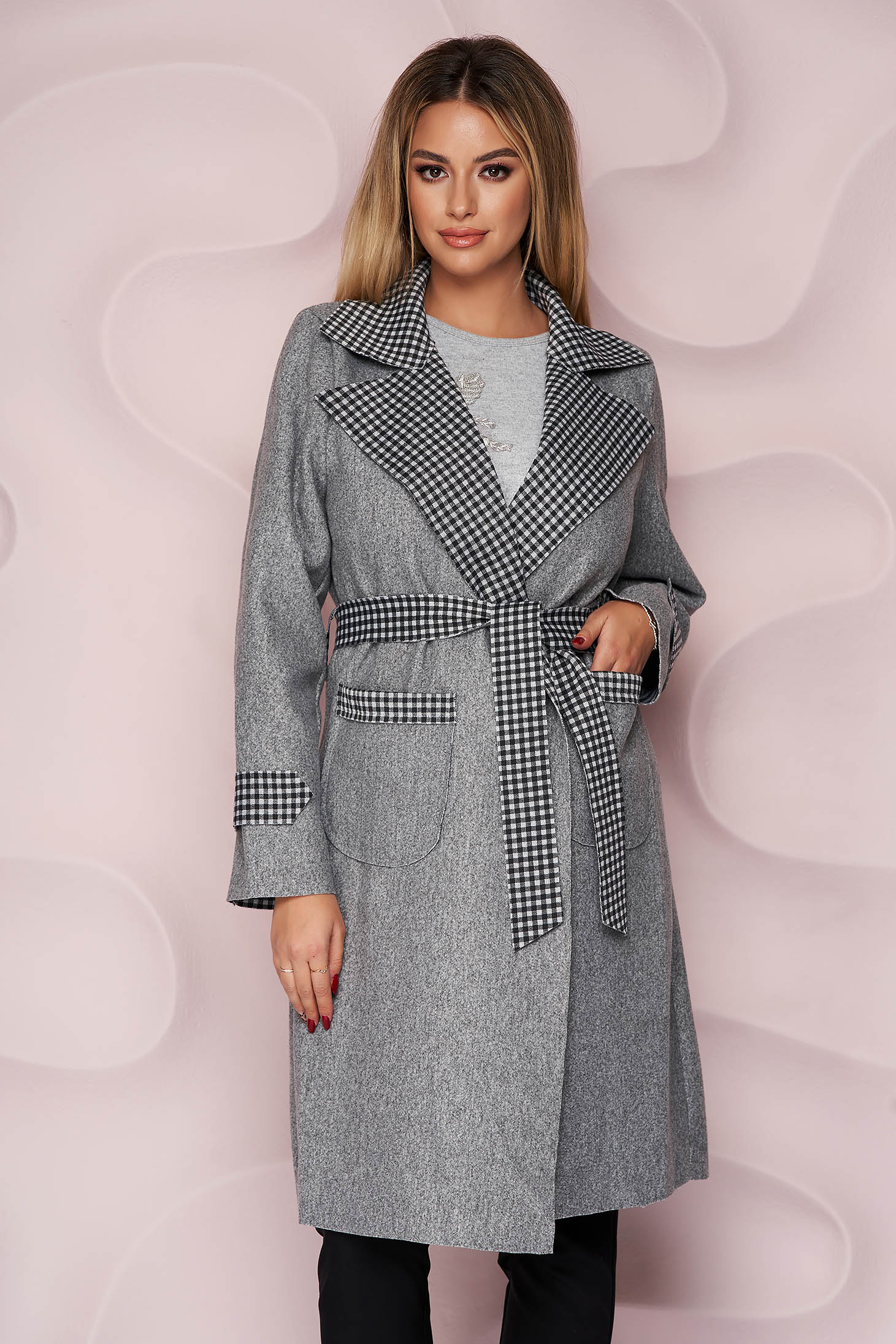 Grey trenchcoat long straight thick fabric slightly elastic fabric detachable cord with chequers