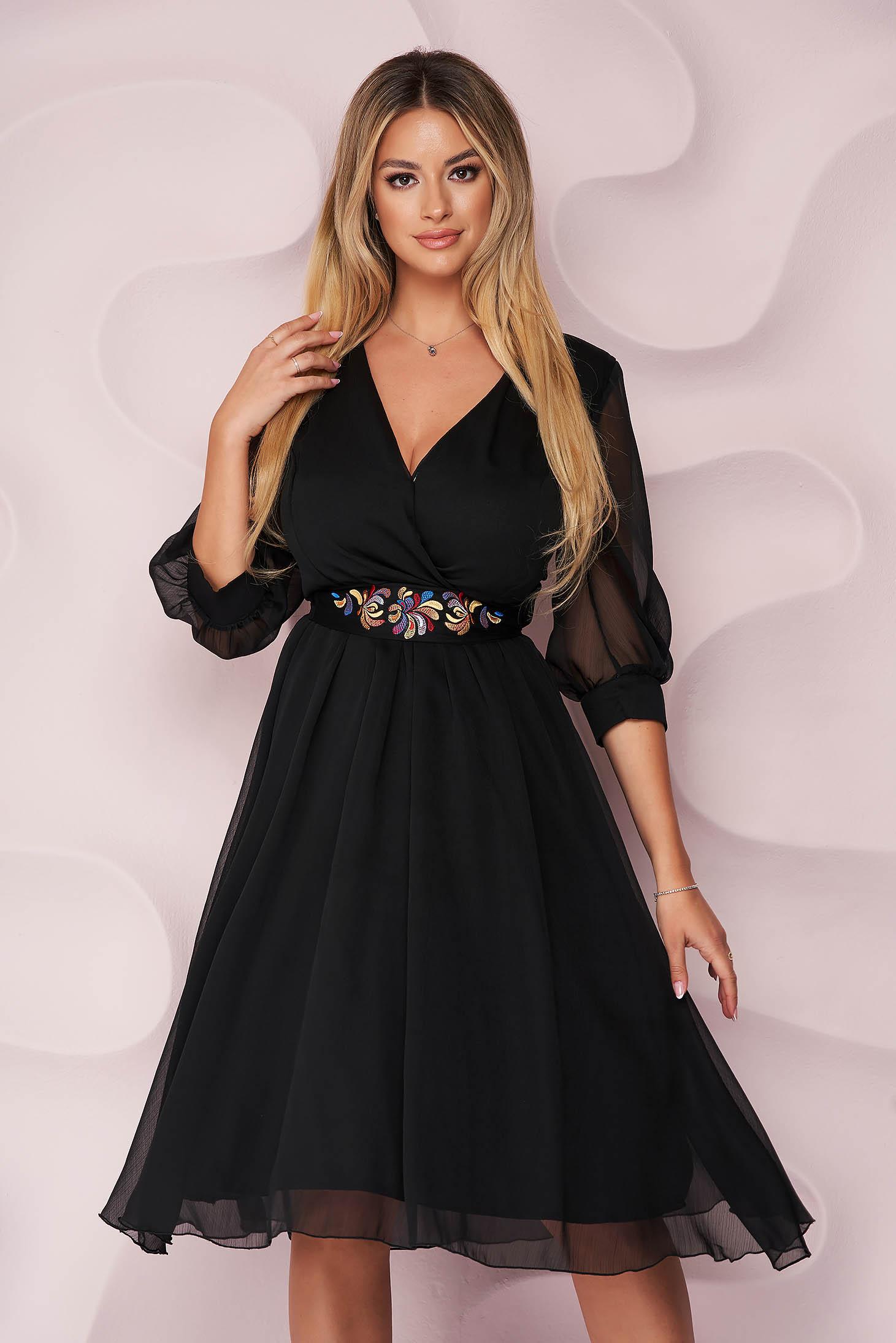 Fekete alkalmi midi StarShinerS harang alakú ruha hímzett eltávolítható övvel muszlin gyűrött anyagból