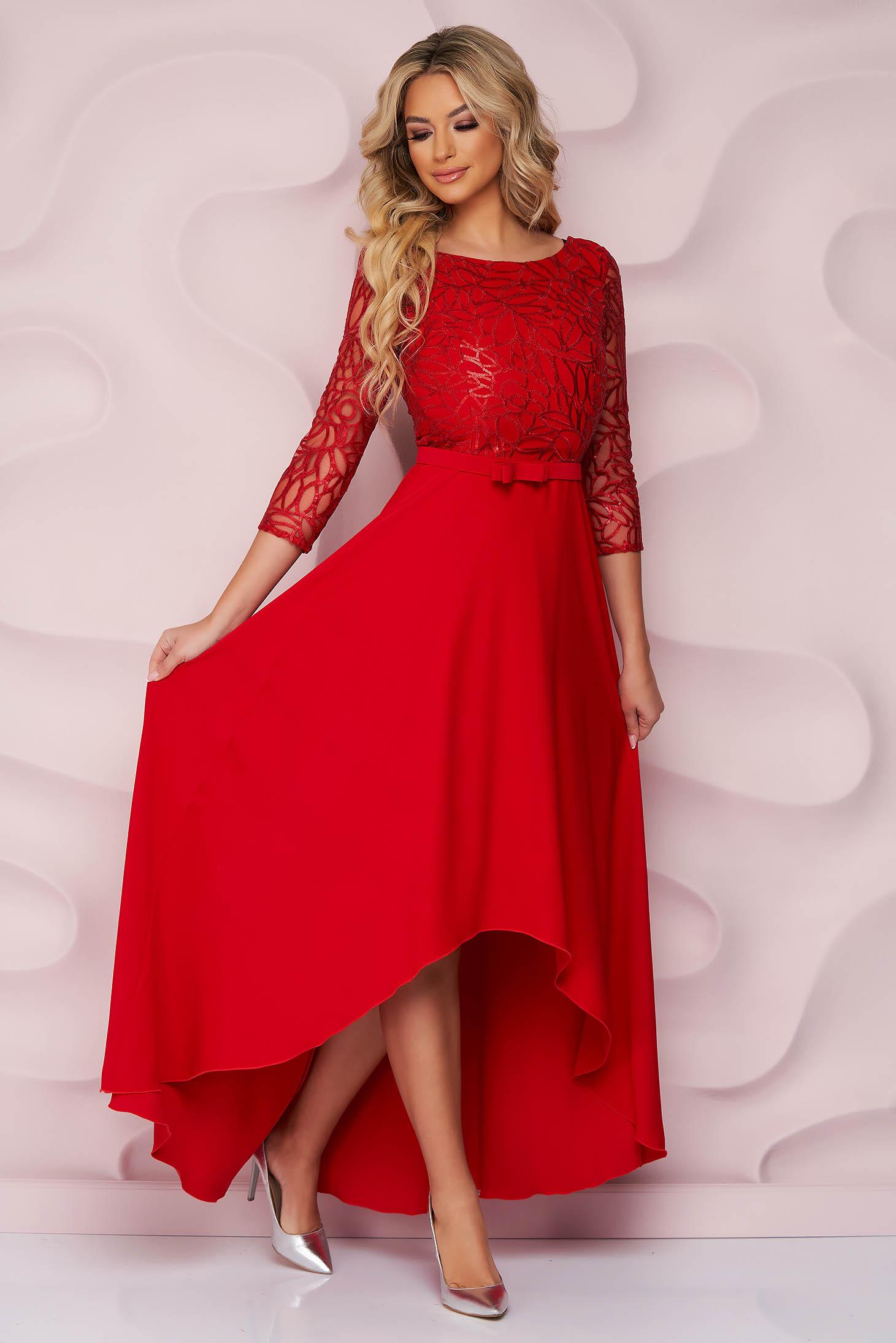 Piros alkalmi StarShinerS harang ruha aszimetrikus merevitett anyagból csipke díszítéssel és eltávolítható övvel