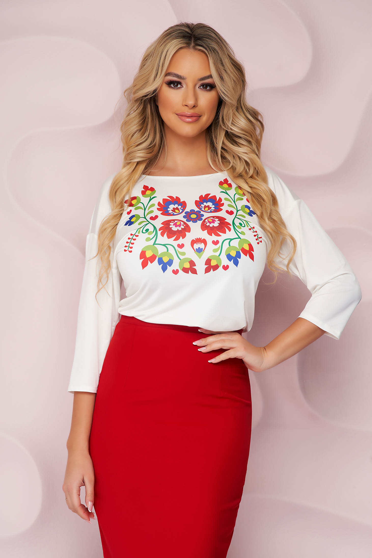 Bluza dama StarShinerS office cu croi larg din material elastic cu maneci trei-sferturi si imprimeu floral unic